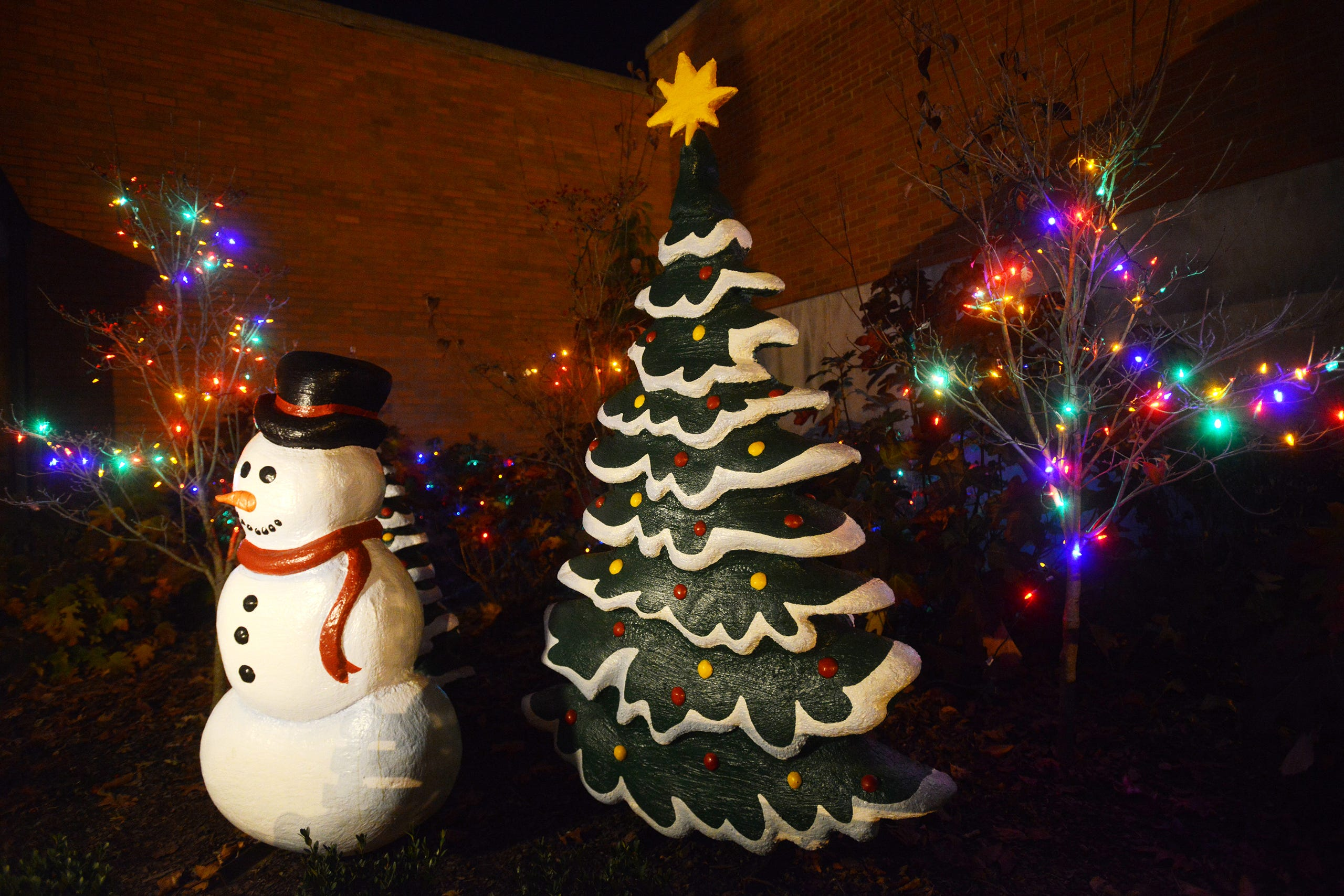 Zanesville Courthouse Christmas Lights 2020 A Storybook Christmas decorations