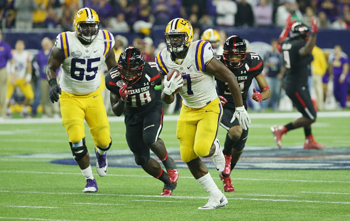 Opinion: Despite budget woes, LSU football not going anywhere