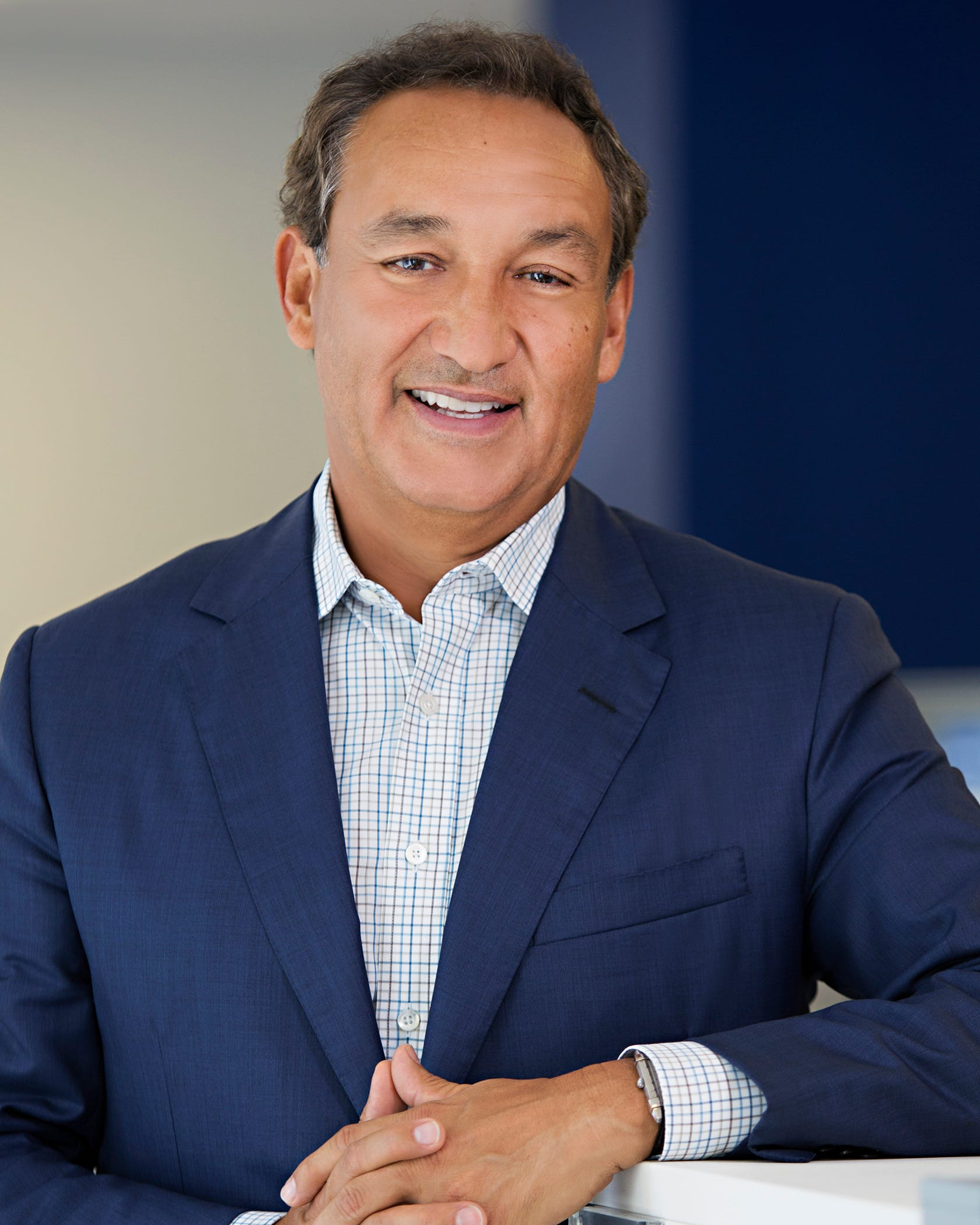 United CEO Munoz won't become board chairman as planned