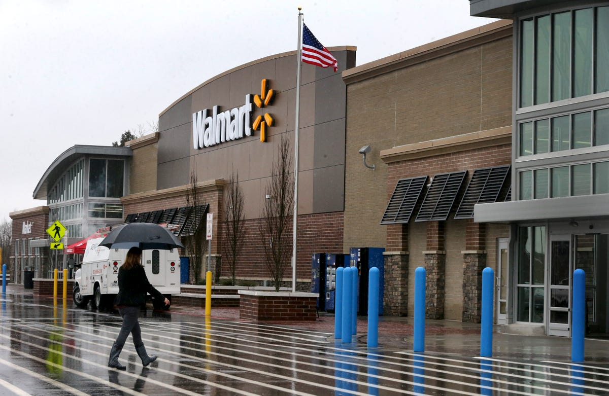 Wal-mart announces closings around country as stores open in