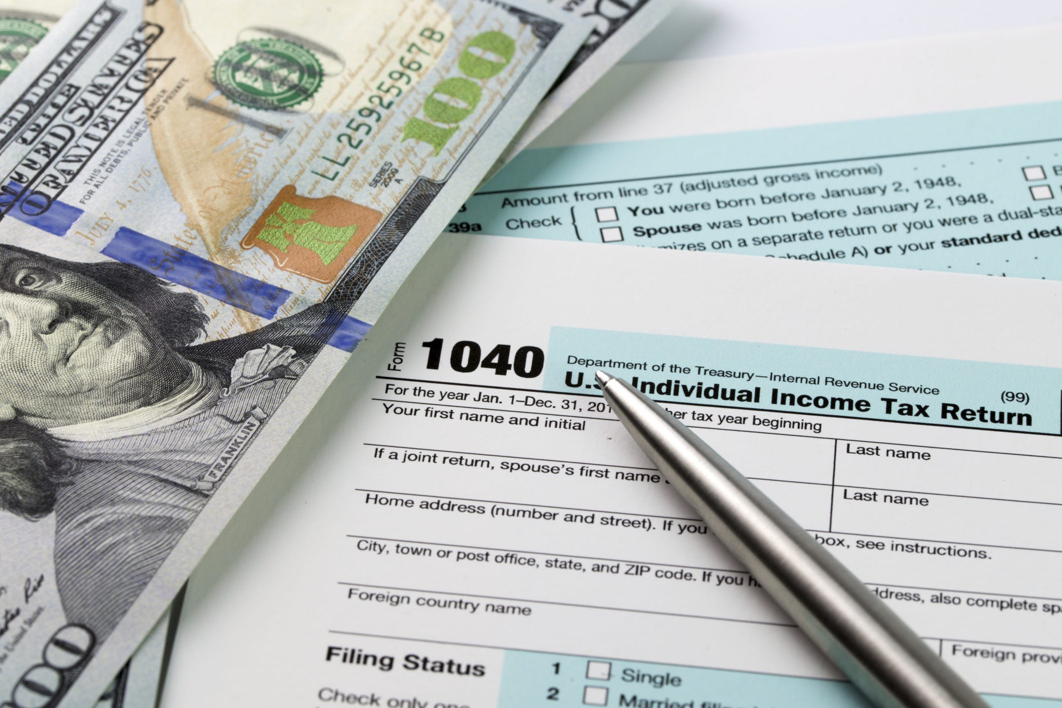 There's still time to boost your 2015 tax refund