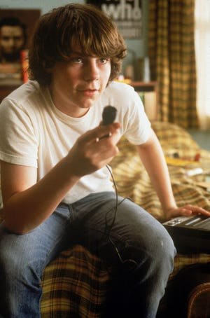 """Patrick Fugit in a scene from the motion picture """"Almost Famous."""" --- DATE TAKEN: rcd 8/00  By Neal Preston   DreamWorks        HO      - handout ORG XMIT: PX29192"""