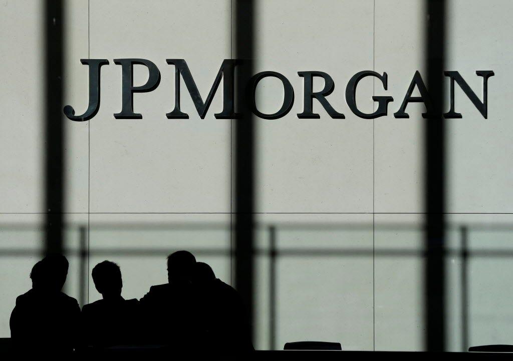 JPMorgan paid dozens of women less then men: suit