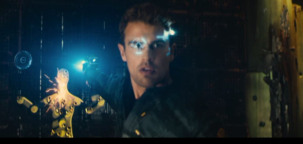 Stars of Allegiant the movie talk tech with Evening