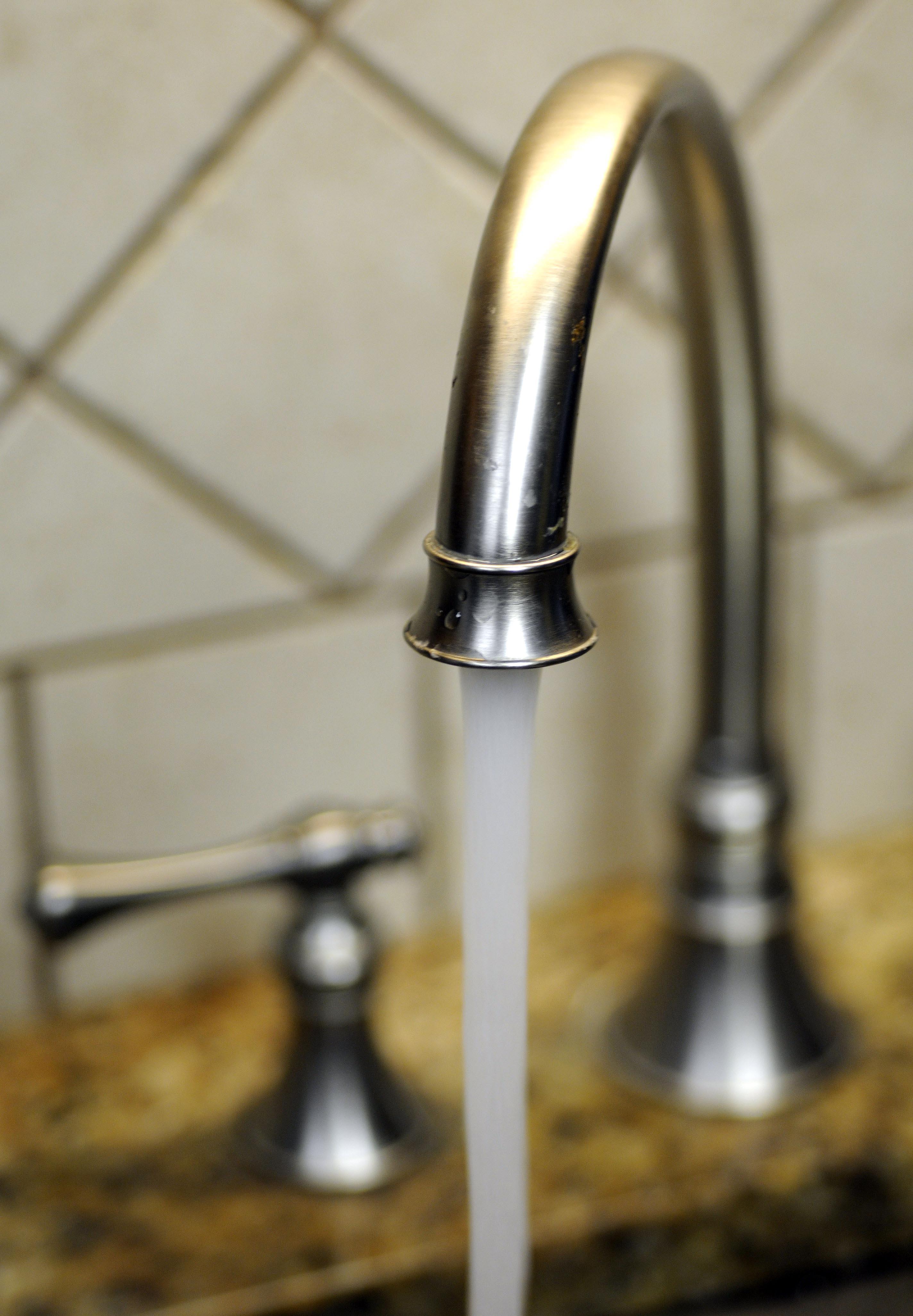 635937267635996780-faucet.jpg