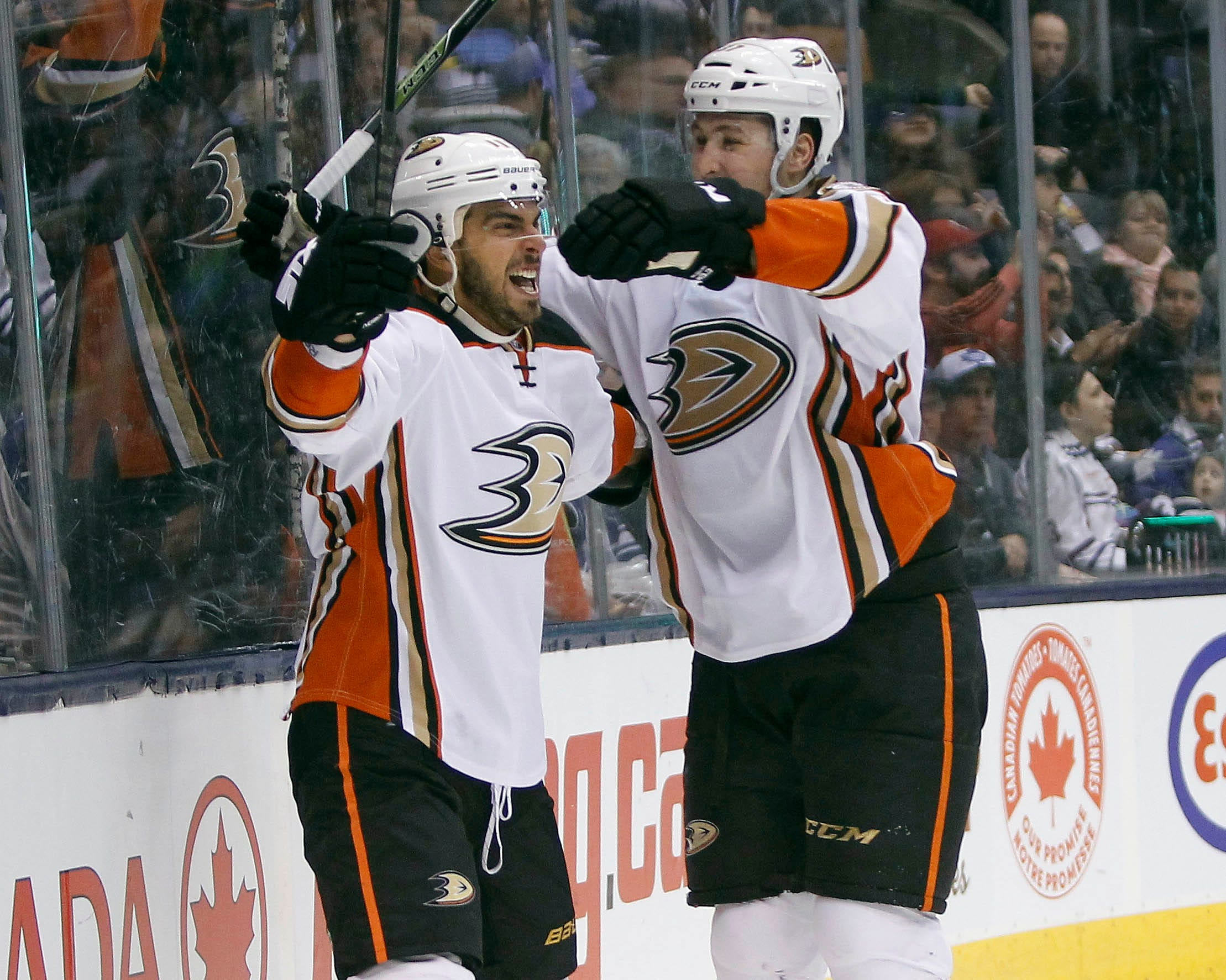 buy popular 57c9d 06239 Ducks clinch playoff spot in OT loss to Leafs | wusa9.com