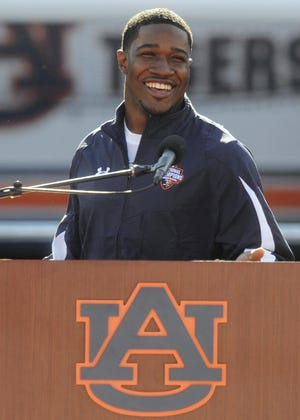 Kodi Burns, Tennessee wide receivers coach