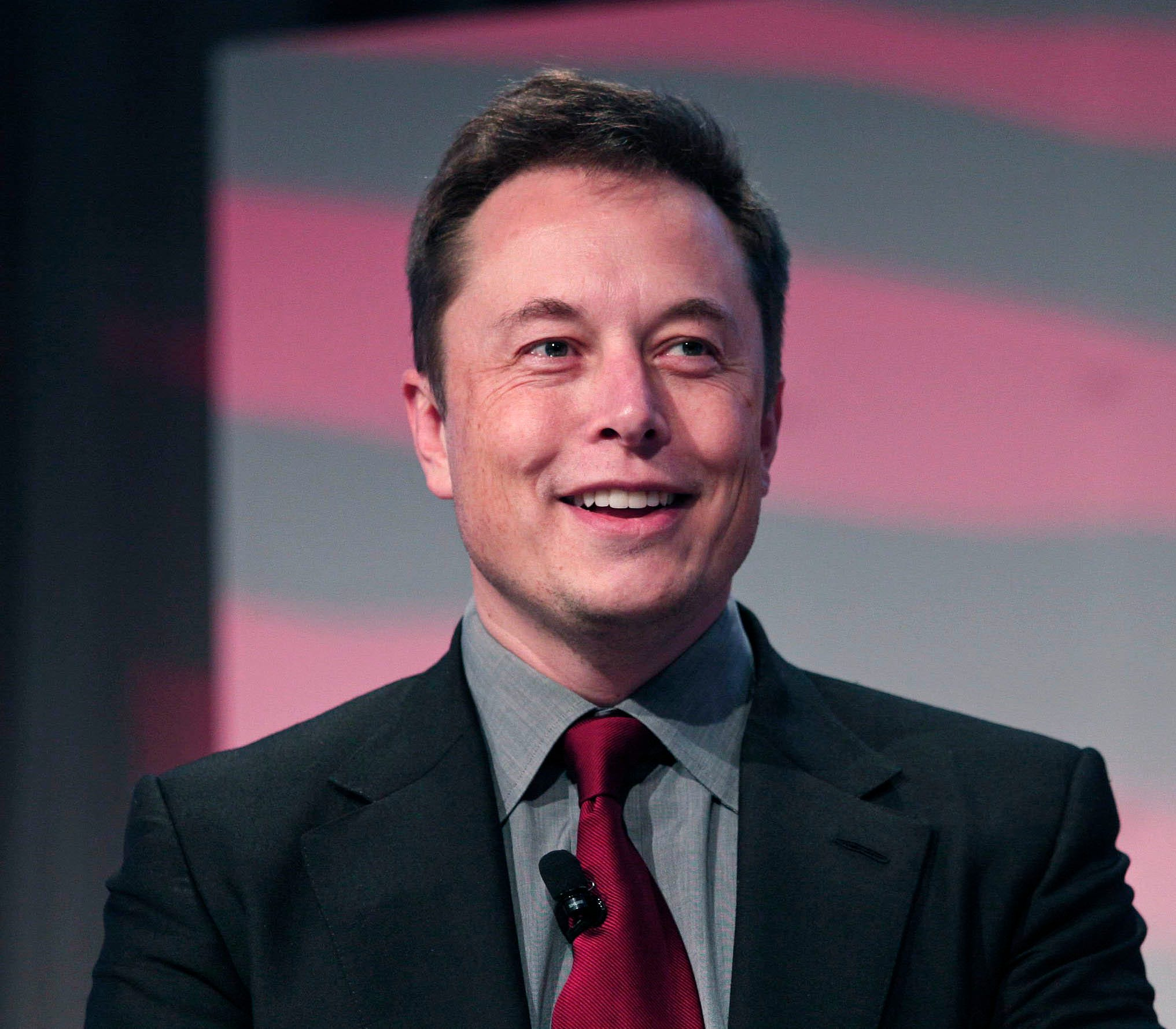 Tesla CEO Elon Musk to pay for water stations, filtration at Flint ...
