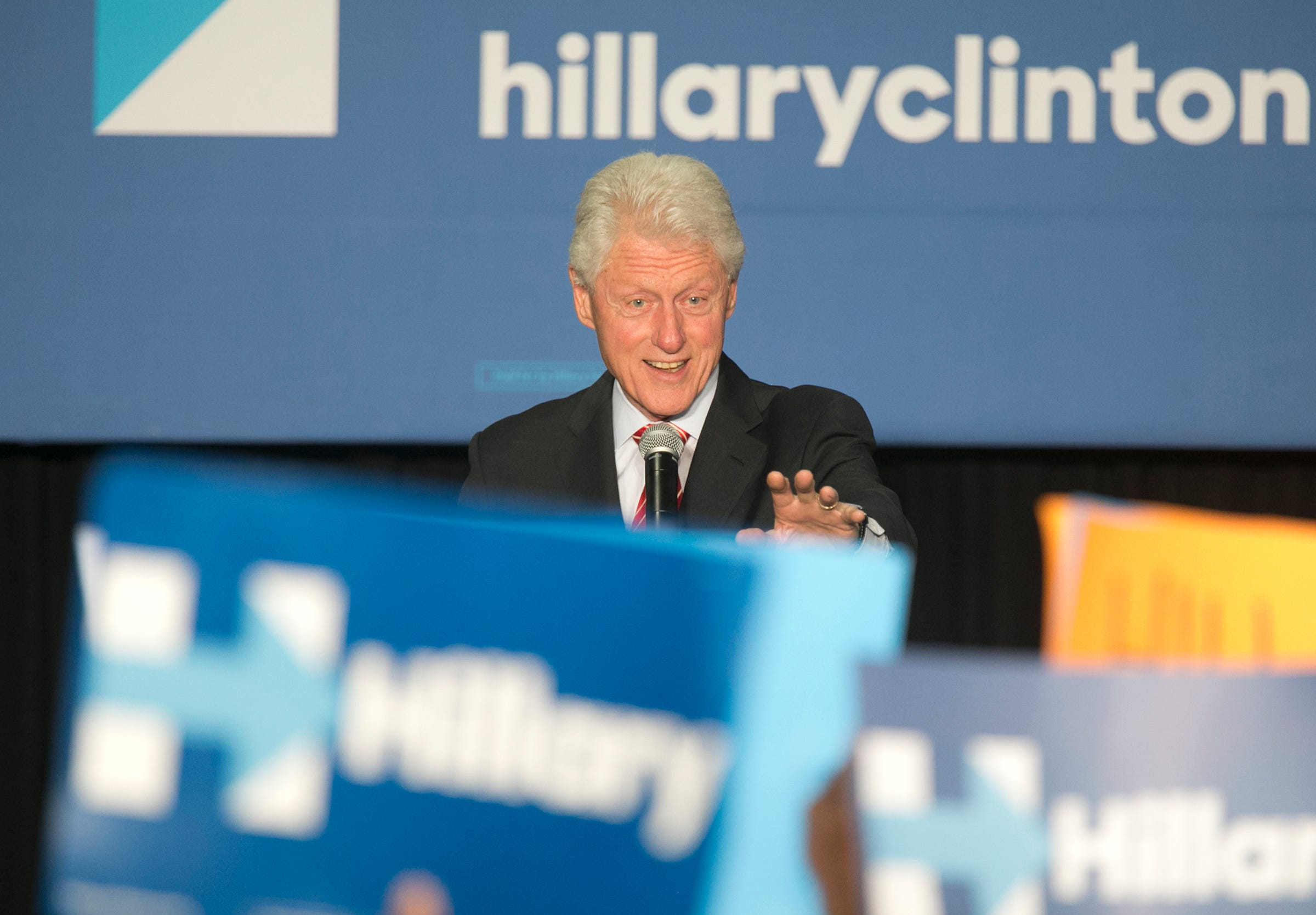 FACT CHECK: Bill Clinton in the Nude