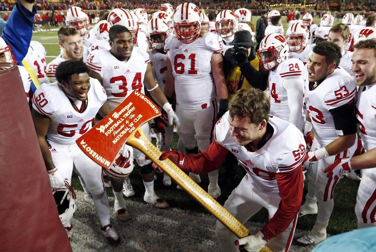 Big Ten Bowl Games 2020 21.Uw To Close 2020 And 21 Big Ten Football Seasons Against Iowa