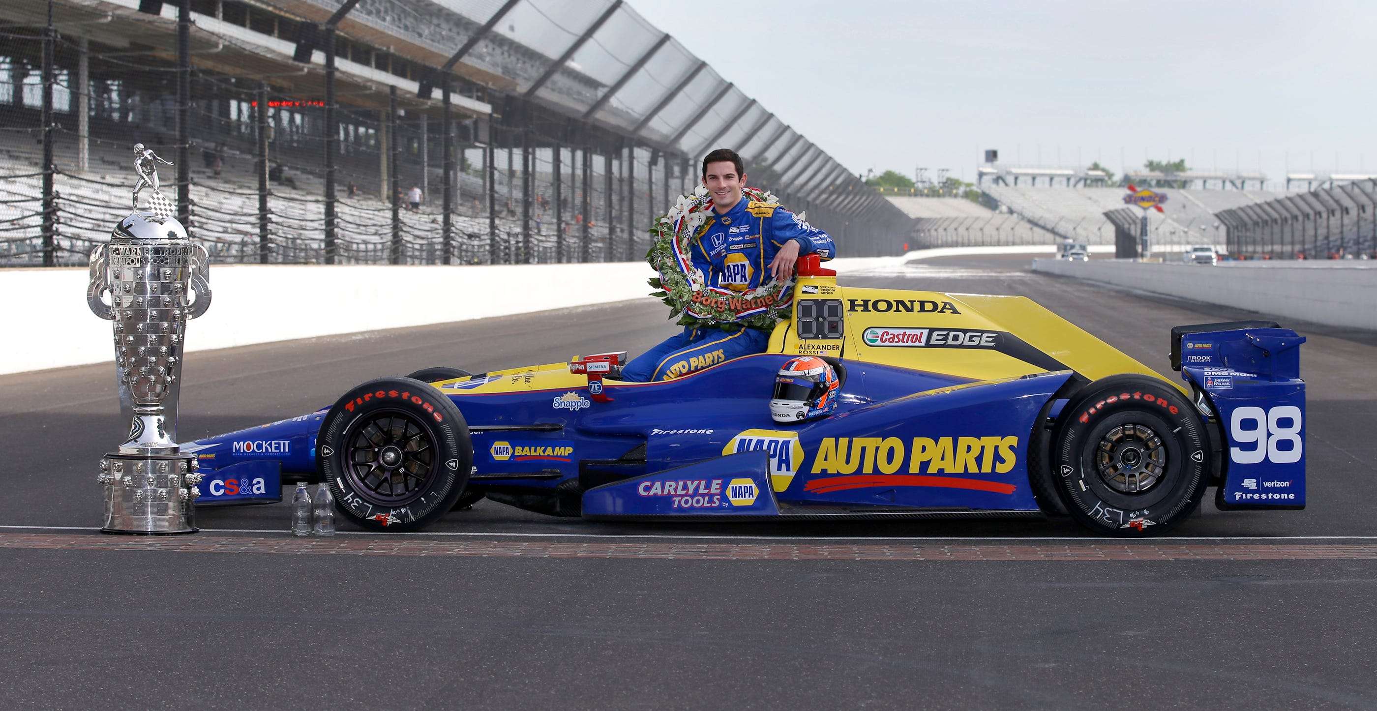 636002273297103995-02-Indy500-Rossi.jpg