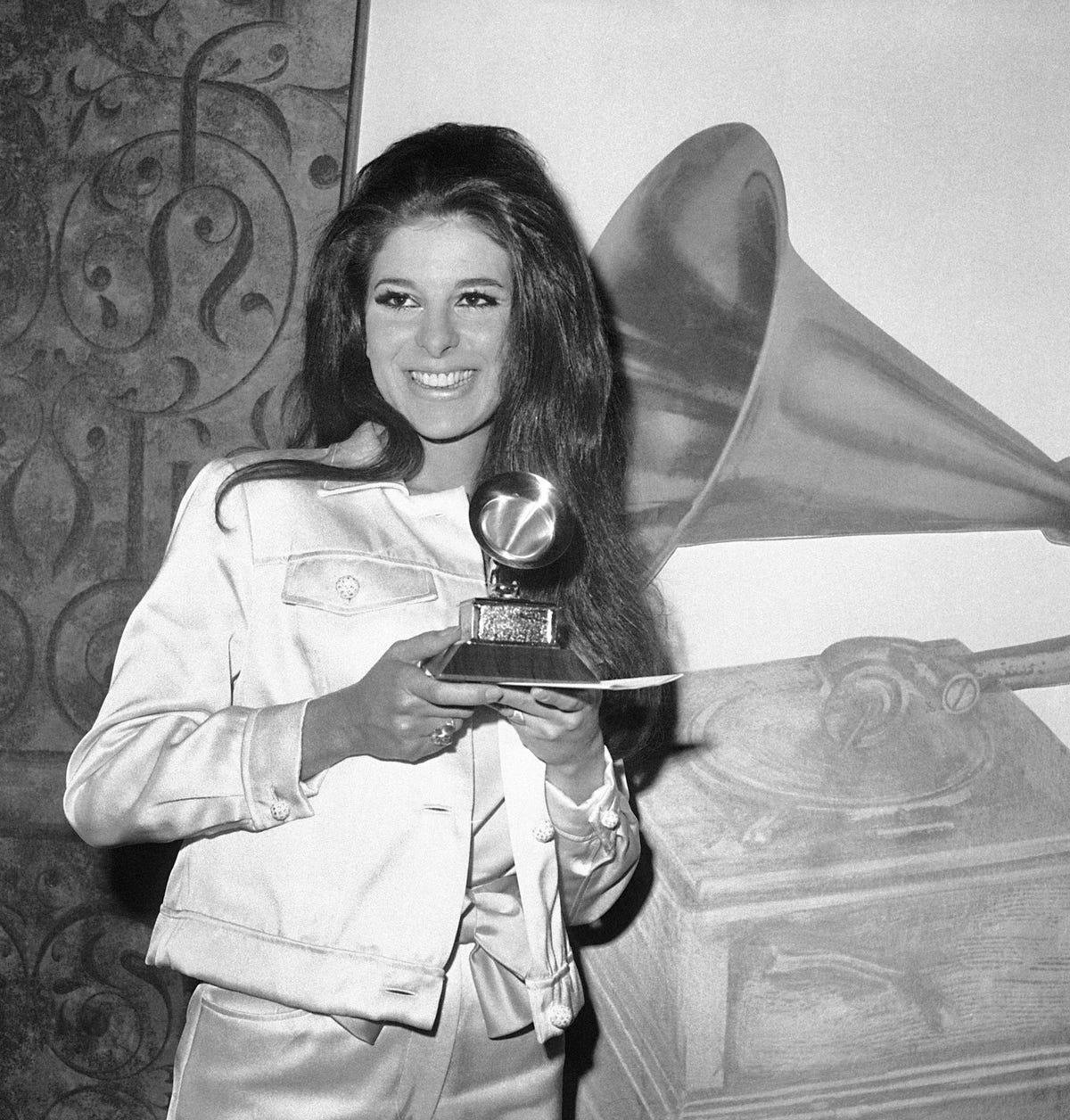 Watkins: What happened to singer Bobbie Gentry?