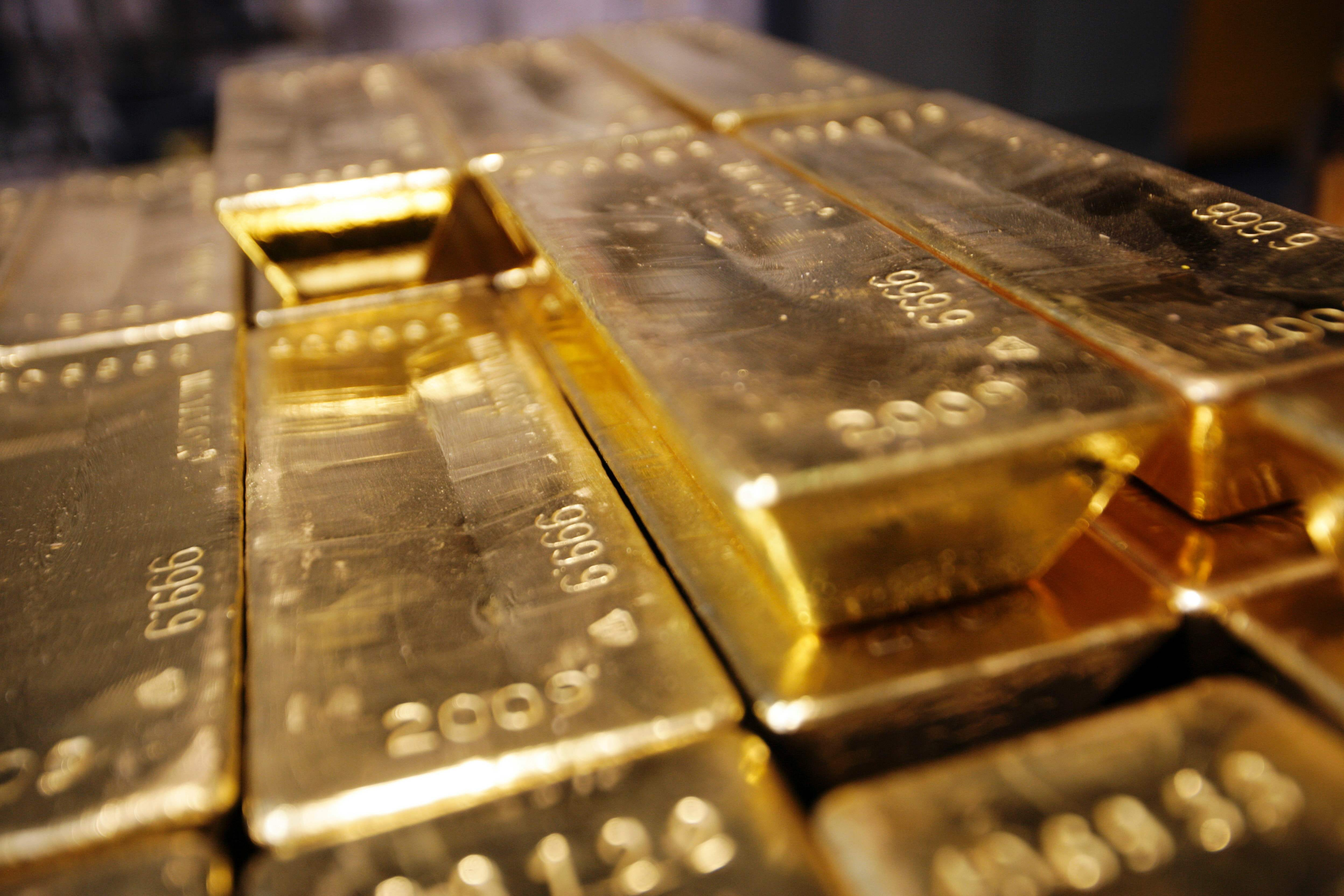 Gold's shining bright in 2016, but don't let that blind you
