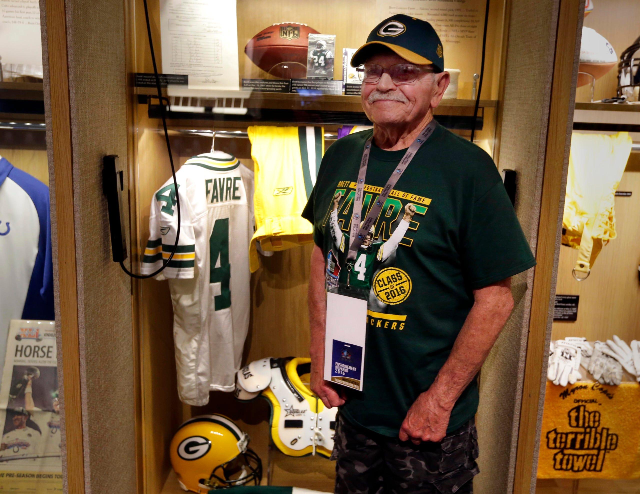 buy online ba347 6e23a Brett Favre's locker at the Pro Football Hall of Fame
