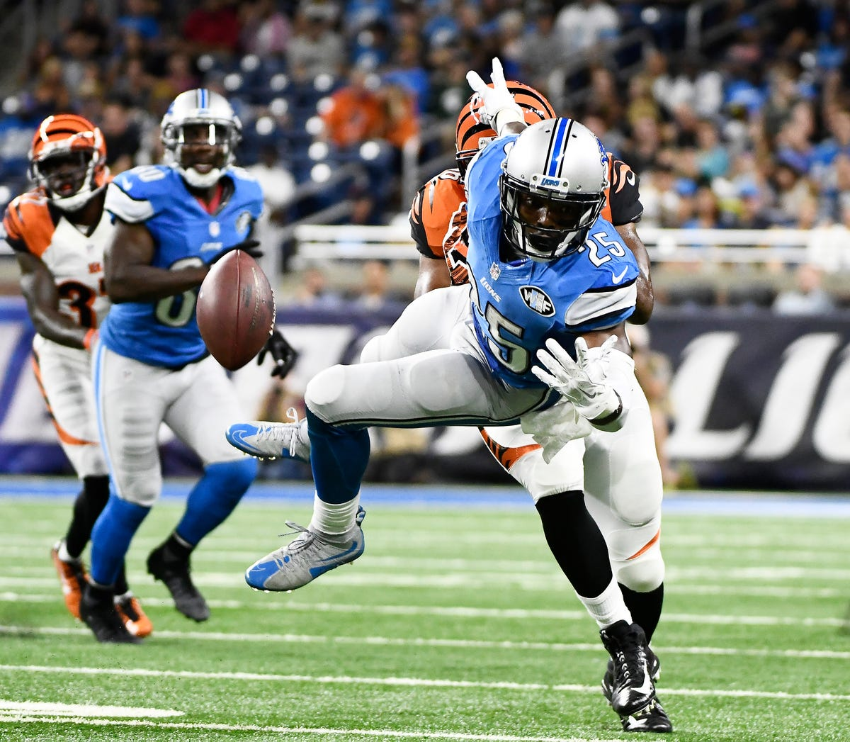 Lions' O-line makes strides in exhibition loss to Bengals