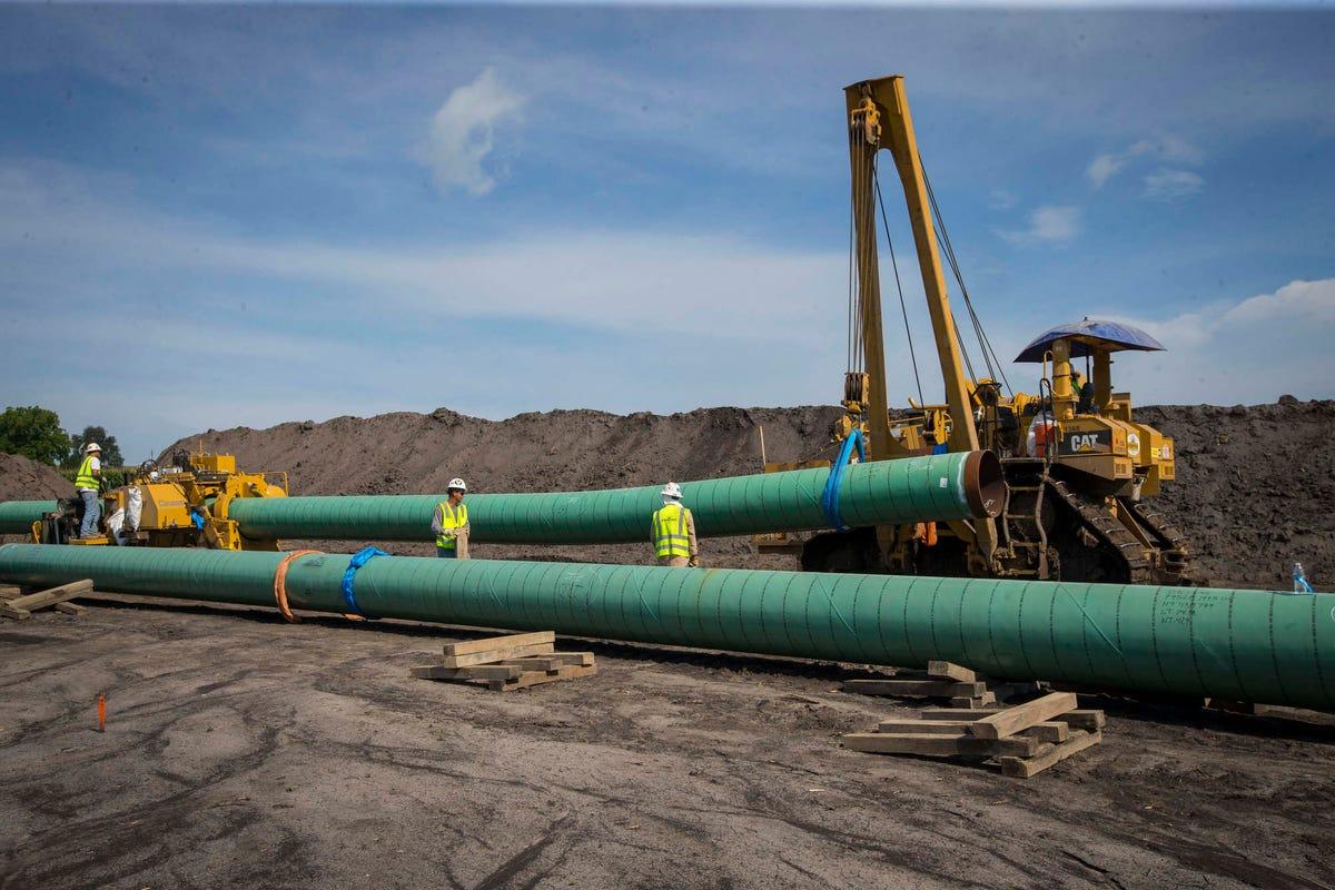 Workers reap cash bonanza from Dakota Access pipeline