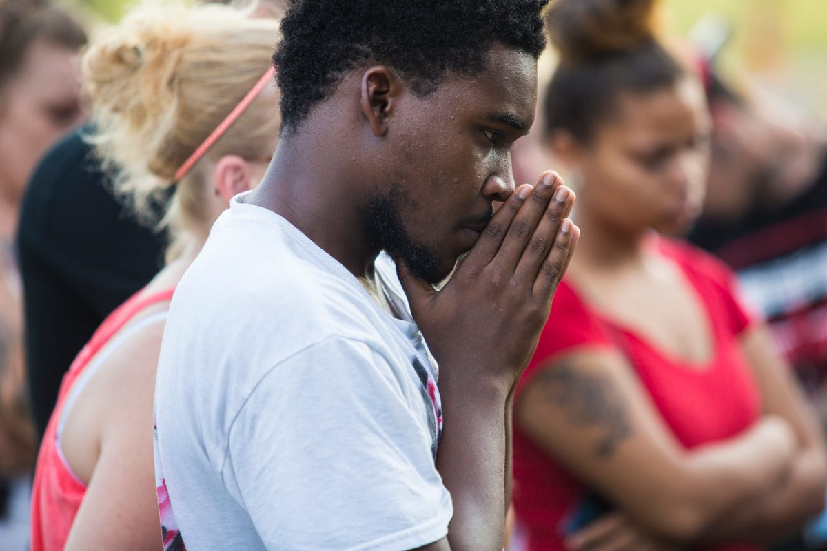 Mom agonizes over teen's death, gang violence