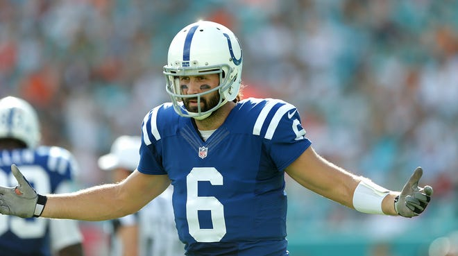 Indianapolis Colts quarterback Charlie Whitehurst (6) in the third quarter of the Colts vs.  the Miami Dolphins on Dec. 27, 2015 at Sun Life Stadium in Miami Gardens, FL.