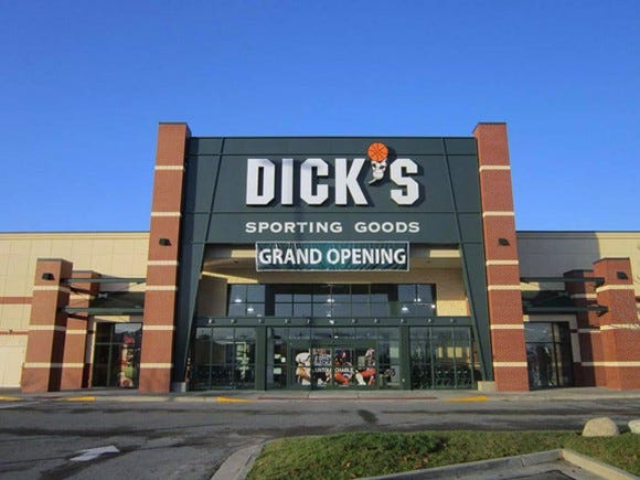 Dick's Sporting Goods stock sinks as retail industry's woes deepen