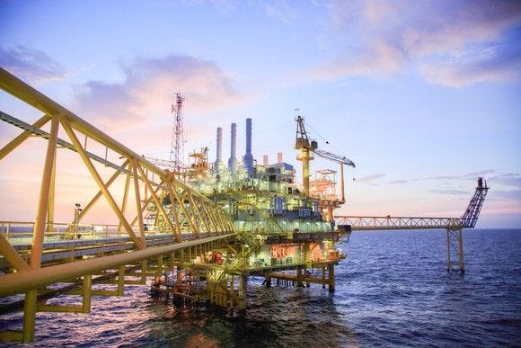 Crude oil prices fall below $50 as US stockpiles rise