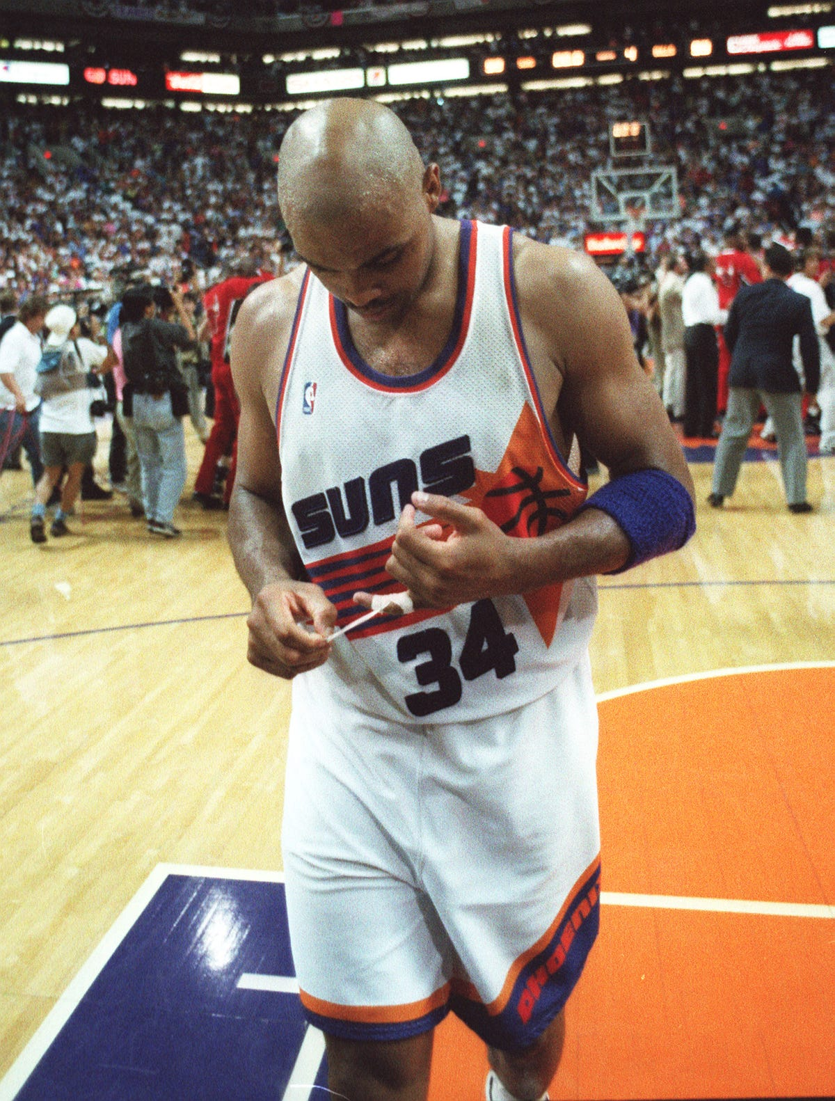 Charles Barkley's not on Suns all-time roster in NBA2K18