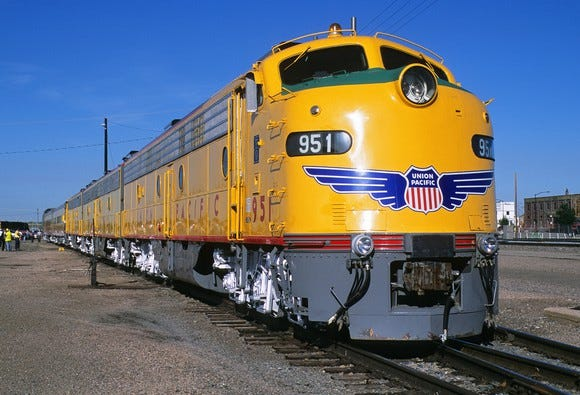 Union Pacific lays off 500 managers, 250 other rail workers