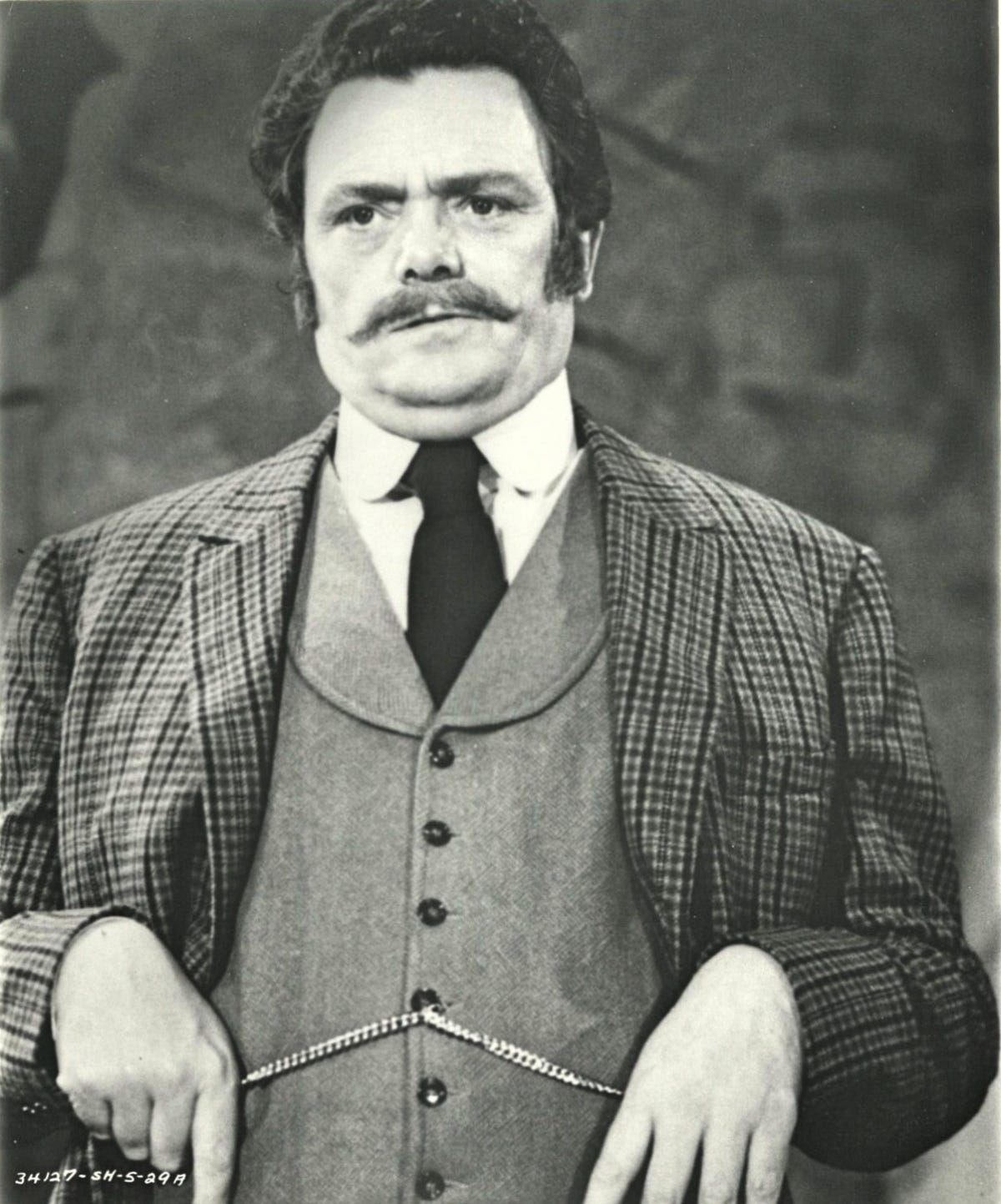 Bewitched' actor Bernard Fox dies at age 89