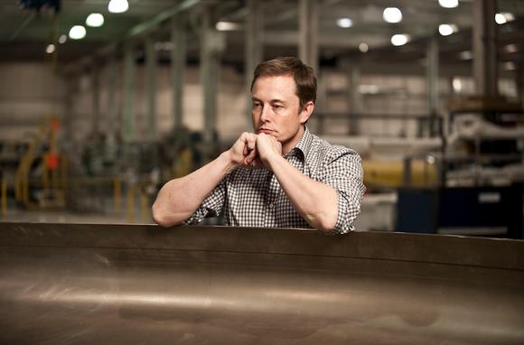 Tiny tweet prompts Elon Musk to adopt big change