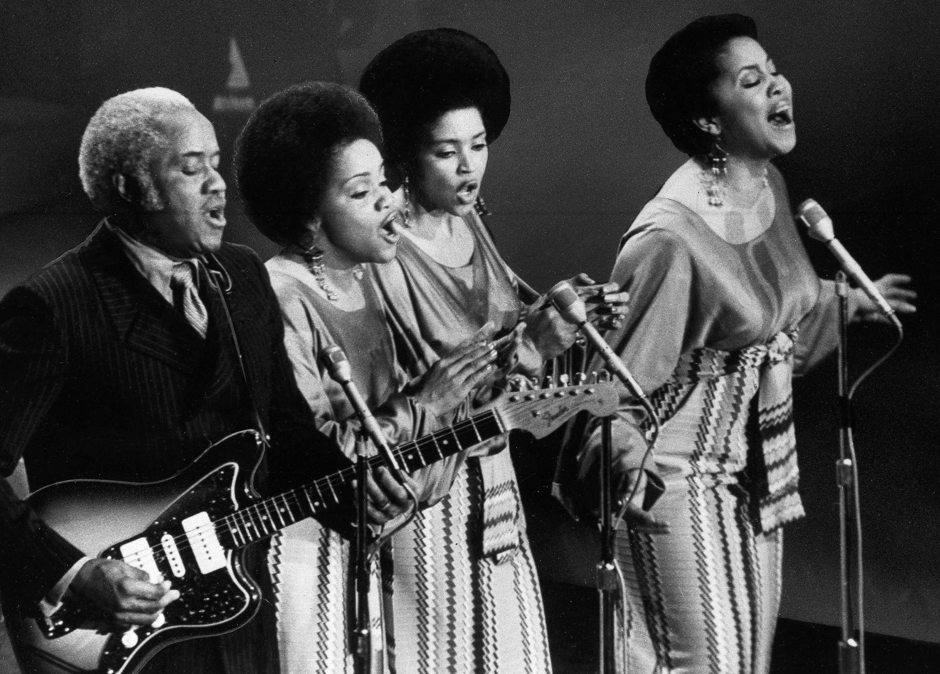 The Staple singers as they sing onstage July 1971. (AP Photo)
