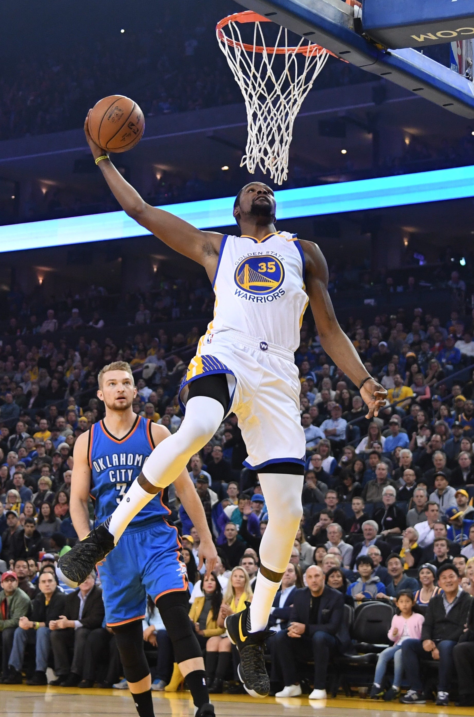 Kevin Durant drops 40 on former team as Warriors rout ...