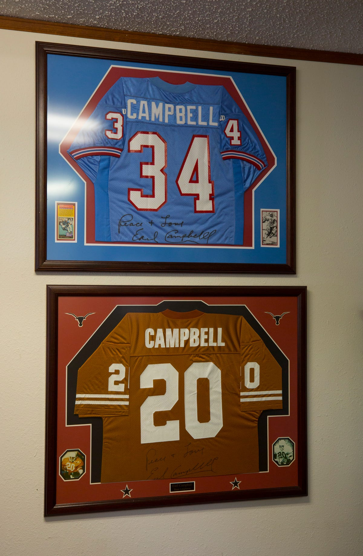 huge selection of b83c5 0529d NFL legend Earl Campbell still hits hard, compares current ...