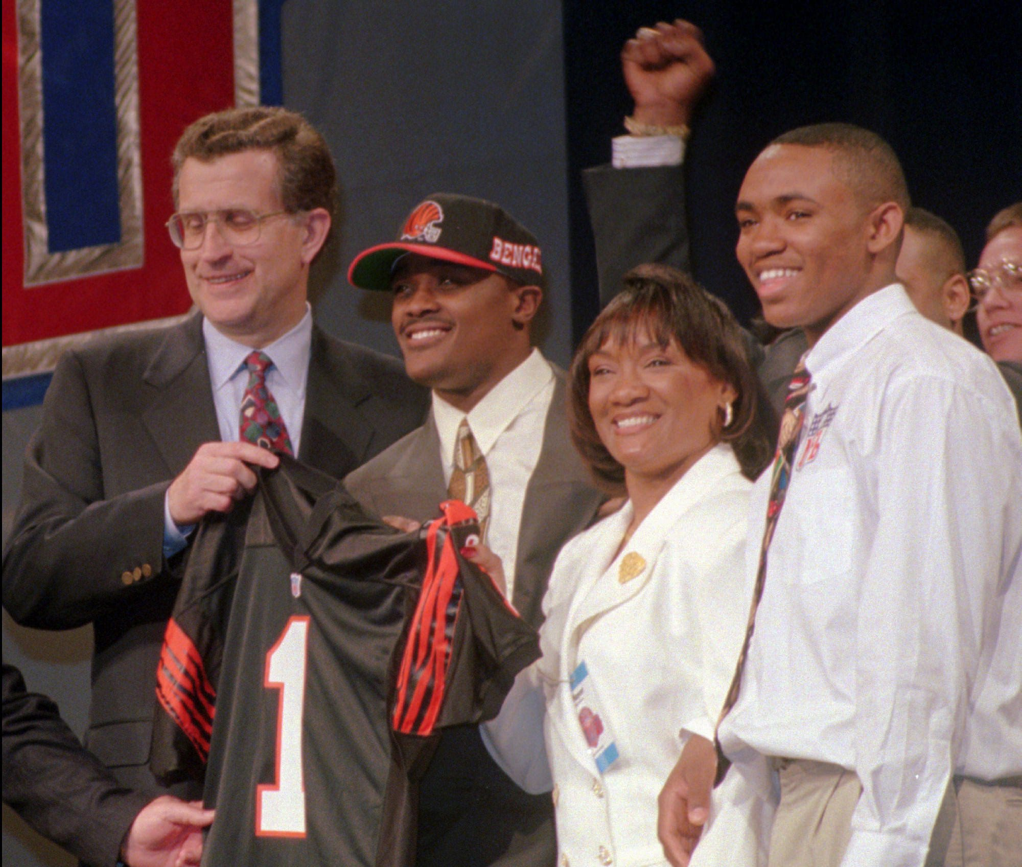 e1766bd8b84139 http   www.usatoday.com picture-gallery sports nfl draft 2017 02 15 no ...