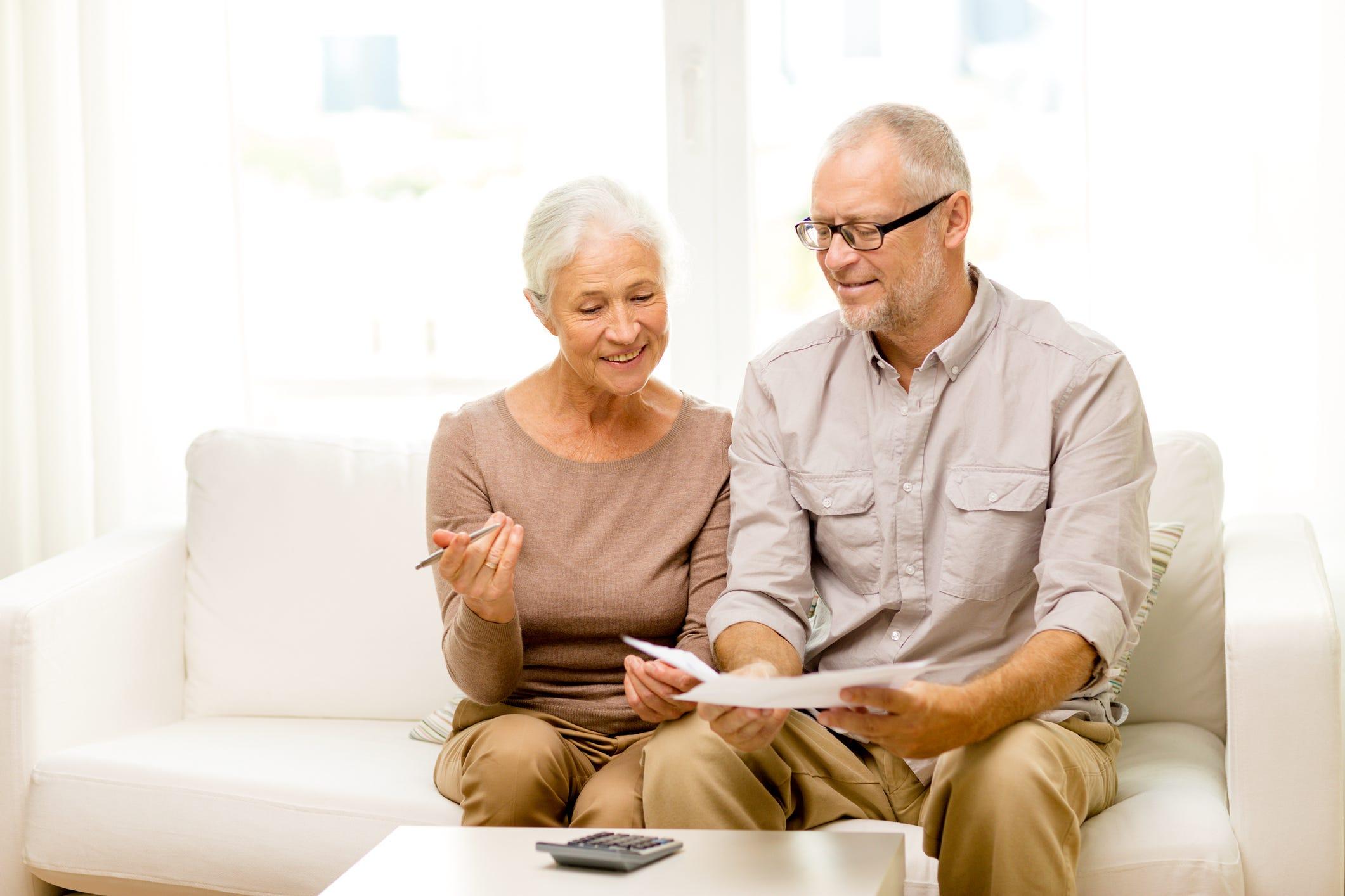 Short-term frugality till full retirement is risky, but doable