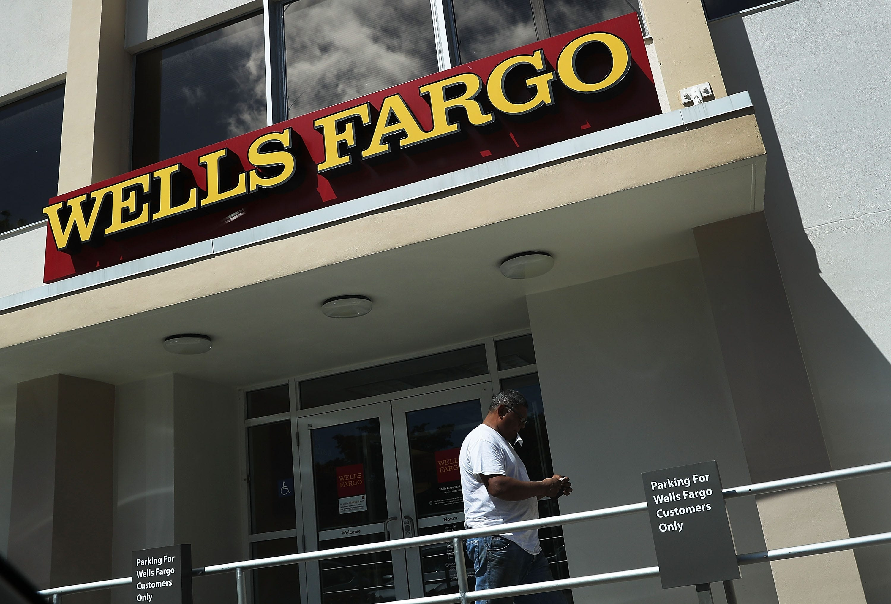 Wells Fargo fires four managers in unauthorized accounts scandal