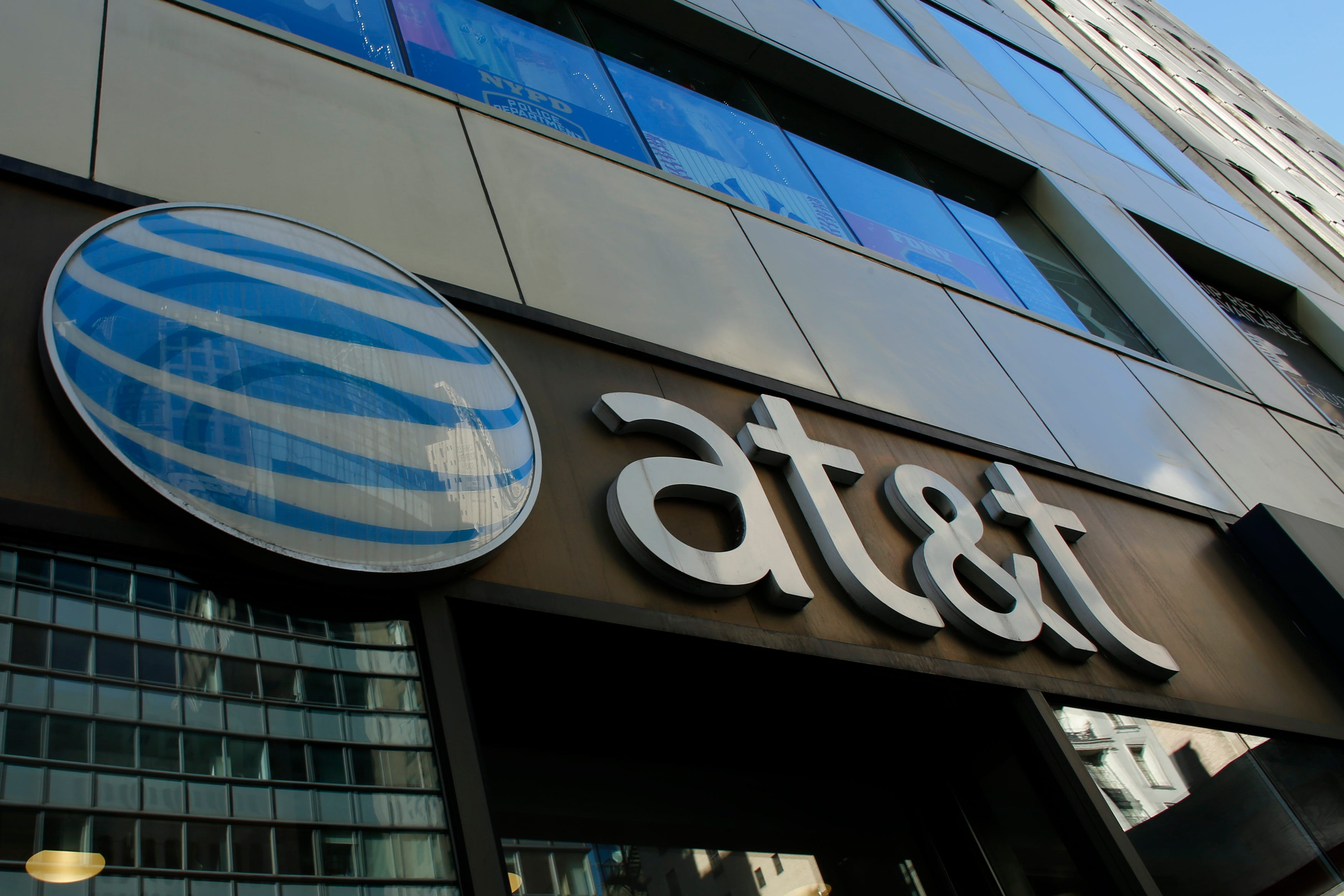 AT&T expands its unlimited options