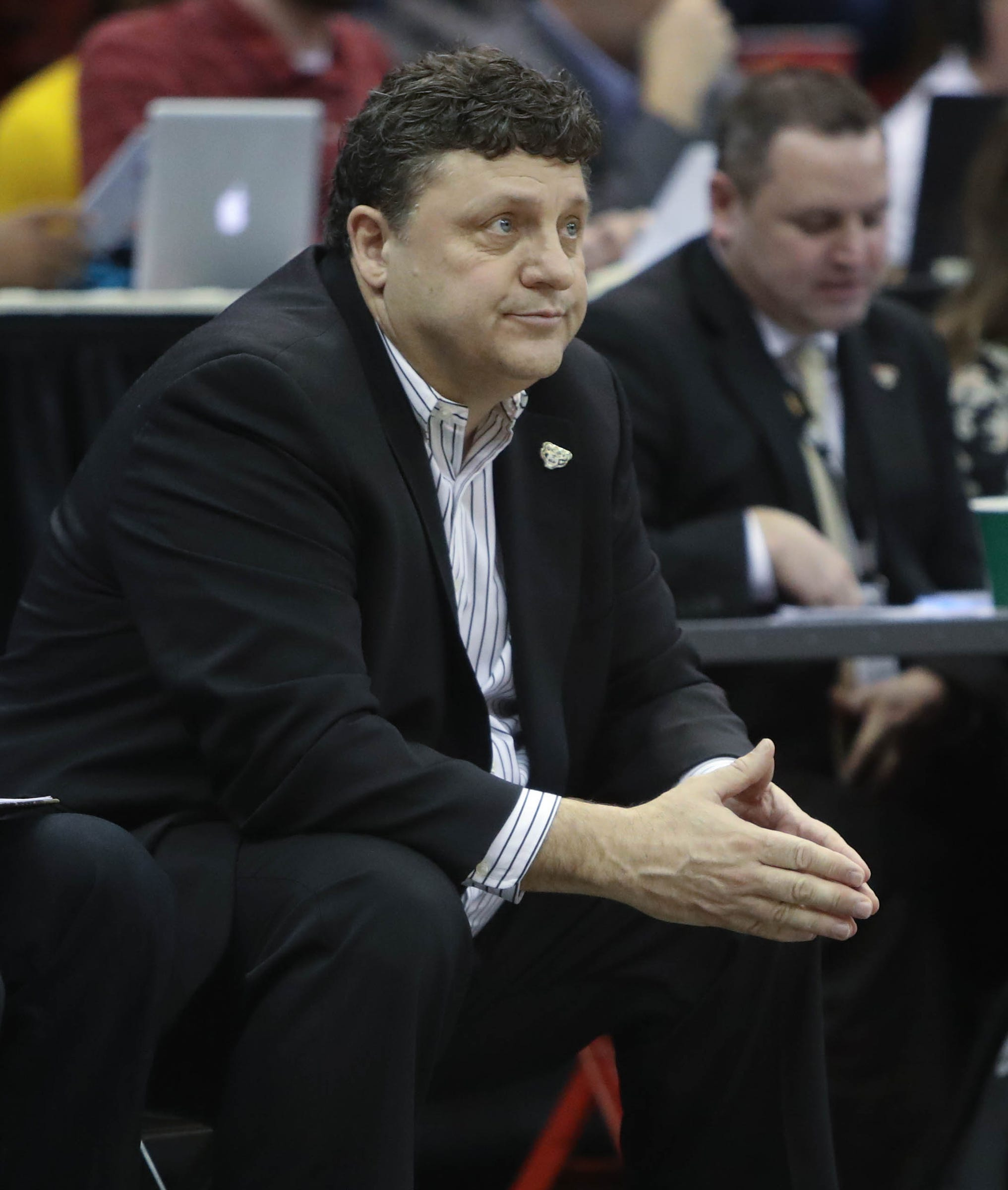 Oakland basketball discussing assistant position with Detroit native Tony Jones