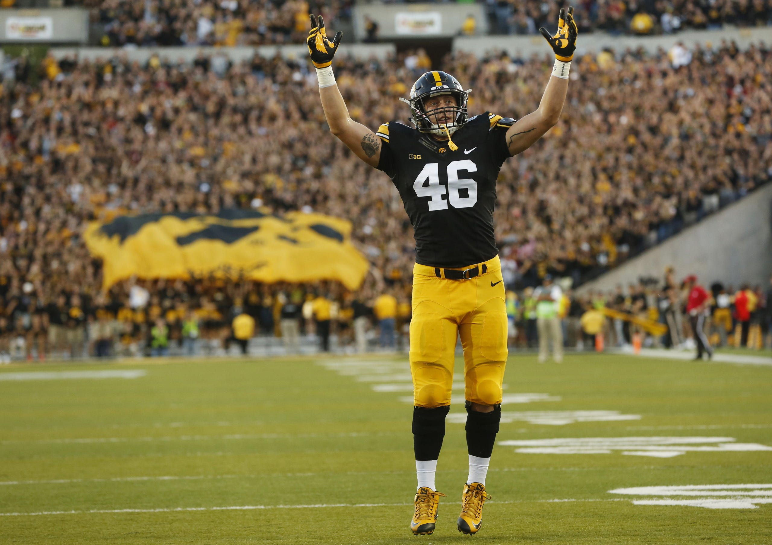 hot sale online 7691e bb987 Photos: Tight end George Kittle with Iowa Hawkeyes, San ...