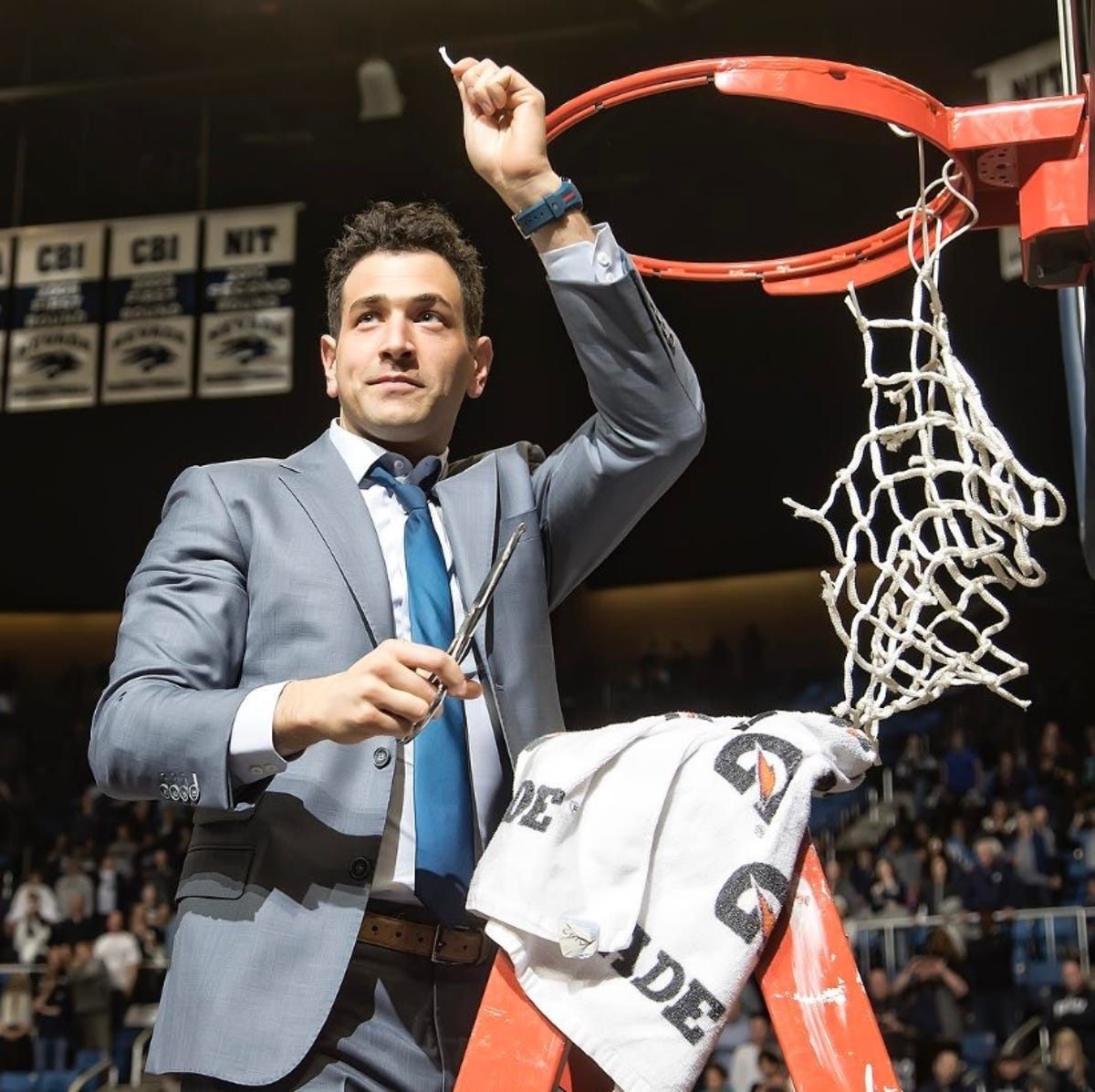 Assistant coach Yanni Hufnagel leaves the Wolf Pack