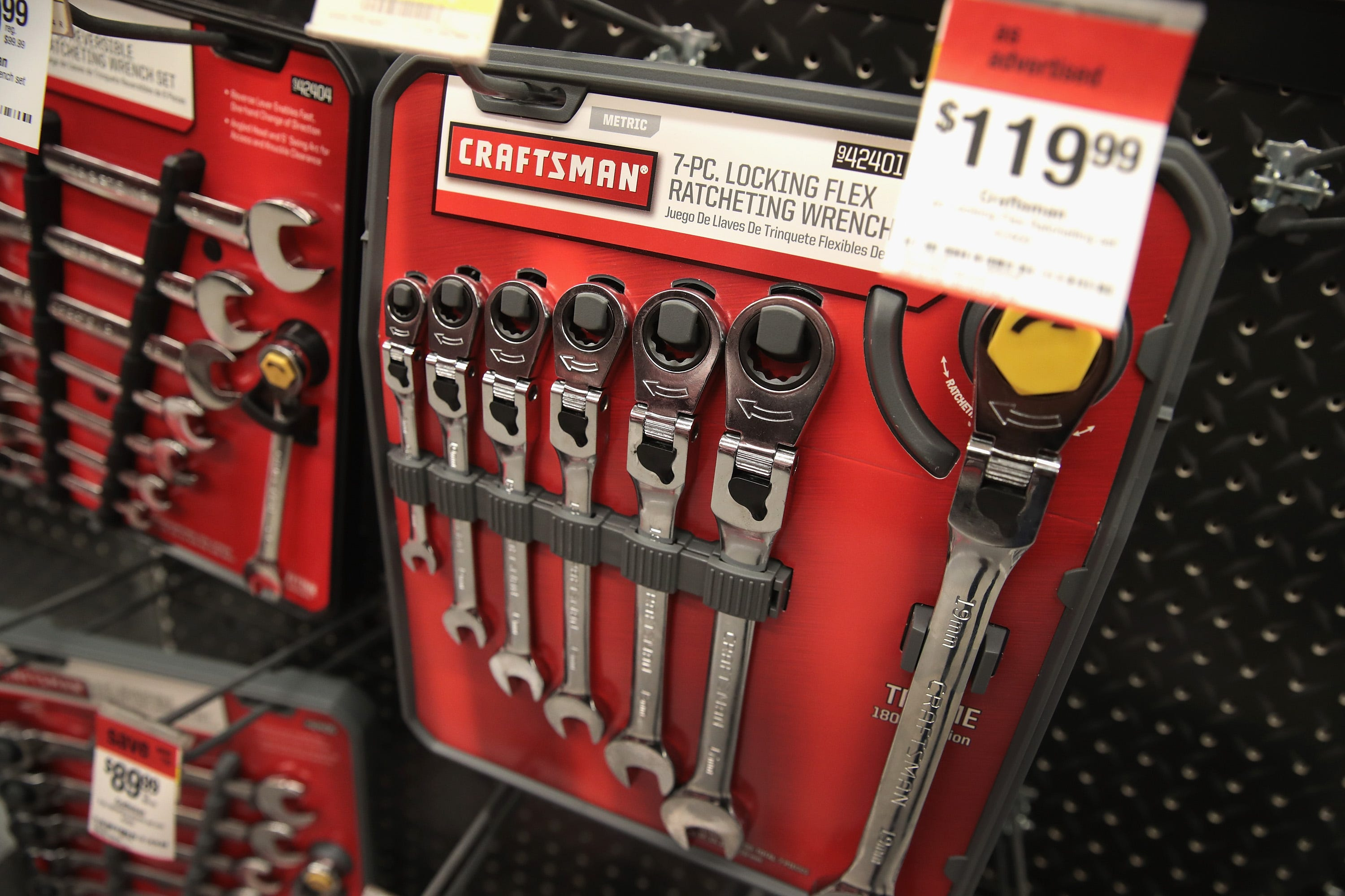 wbir.com | Lowe's to offer former Sears brand Craftsman tools in ...
