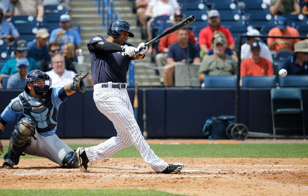Yankees notes: Hicks heats up; Niese released