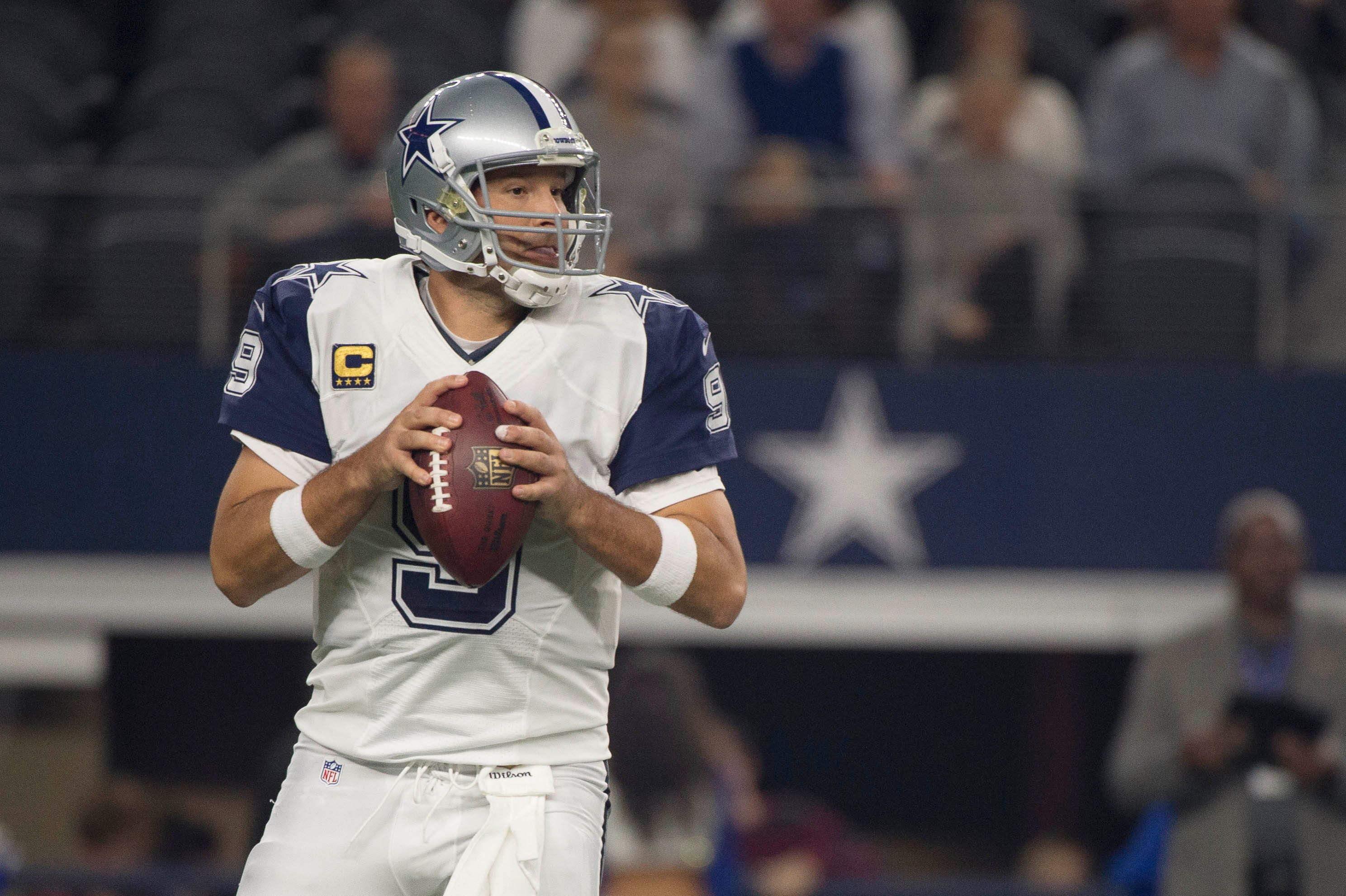 Jerry Jones notifies NFL GMs they're permitted to contact Tony Romo