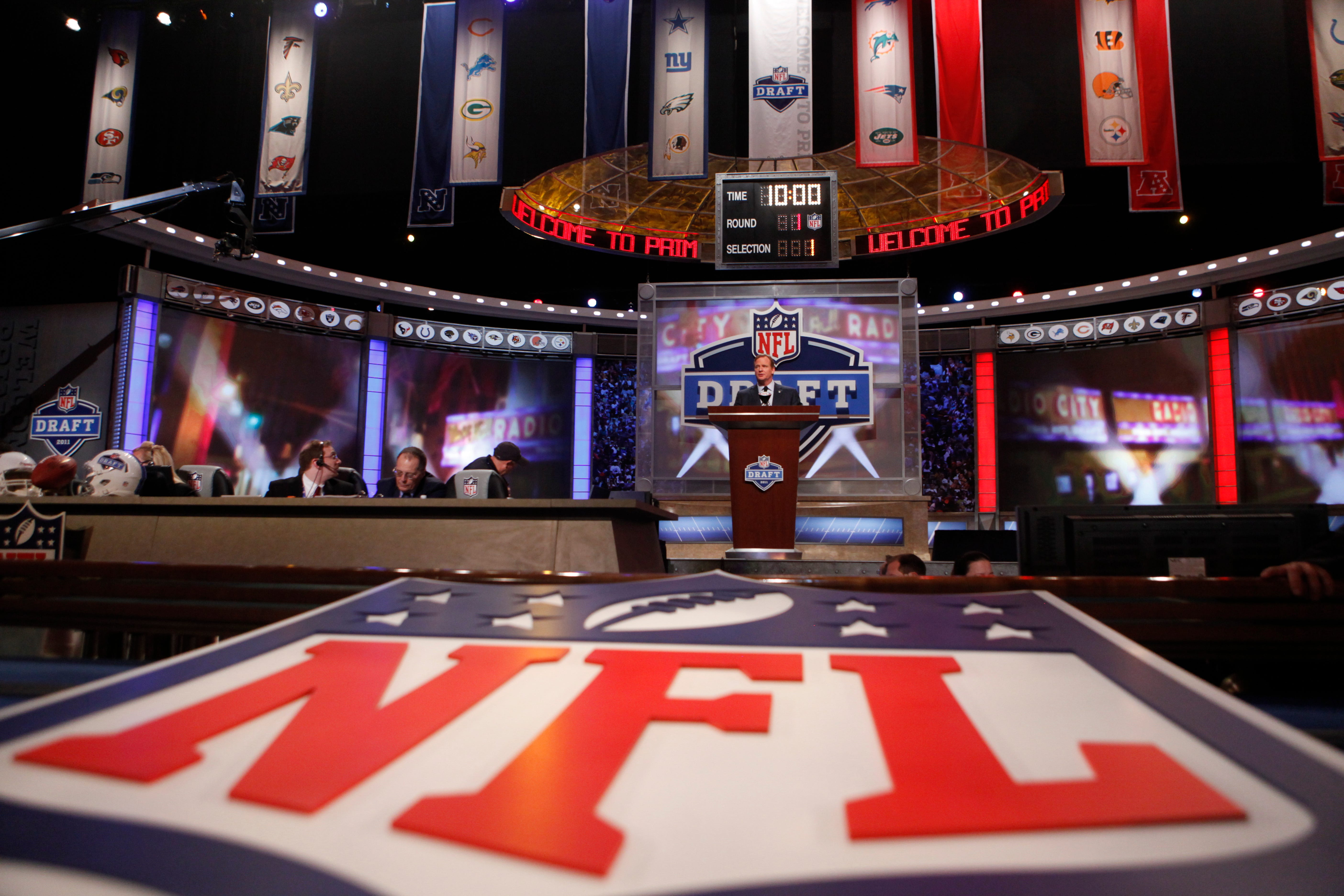 Dougherty: Will Ted Thompson trade down in NFL draft?
