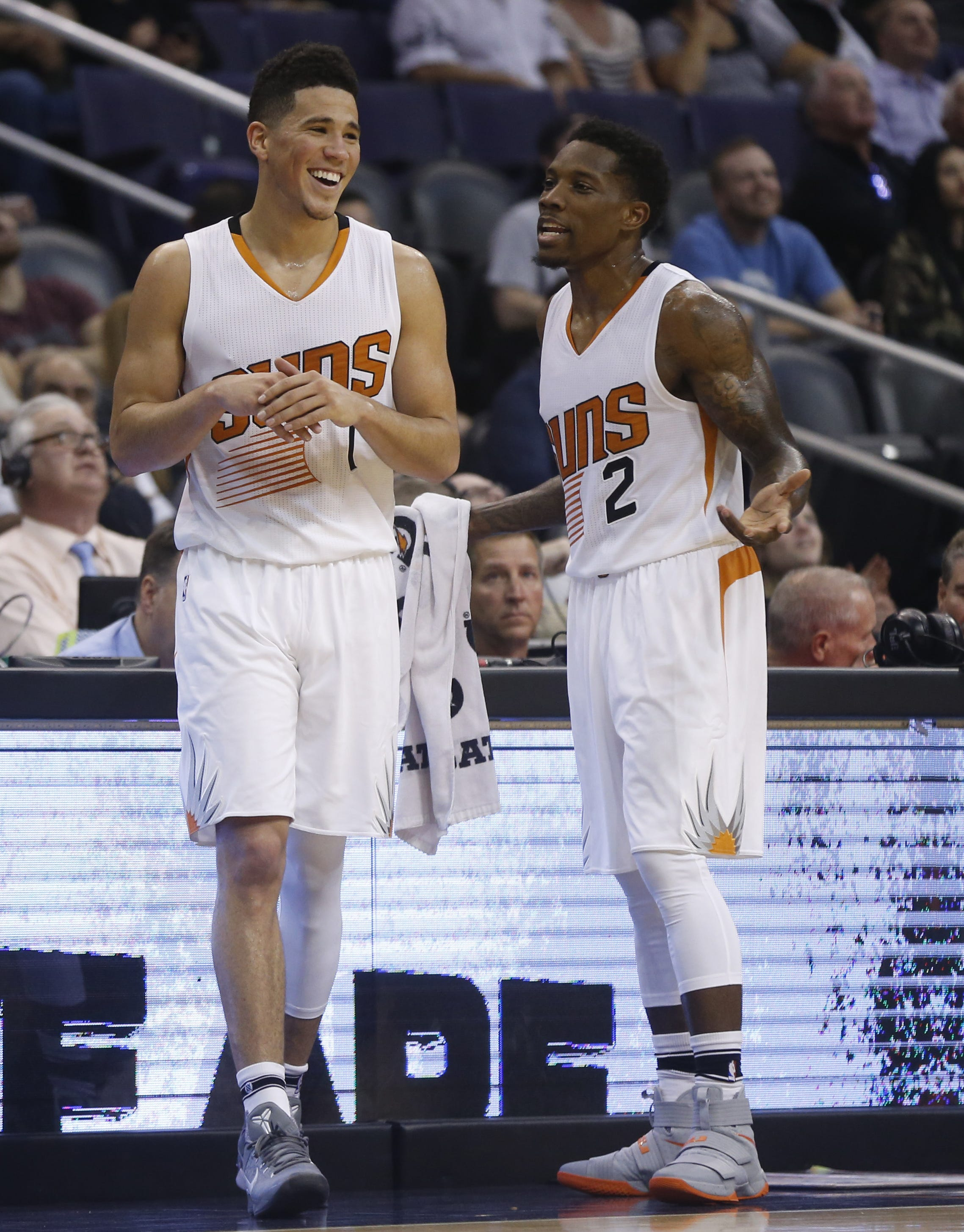 Will Devin Booker, Eric Bledsoe carry Suns to playoffs?
