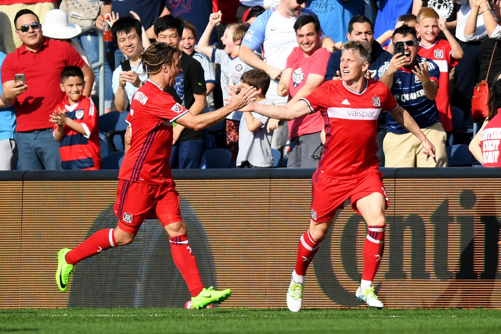 Bastian Schweinsteiger, Nemenja Nikolic lead Chicago Fire to win over New England Revolution