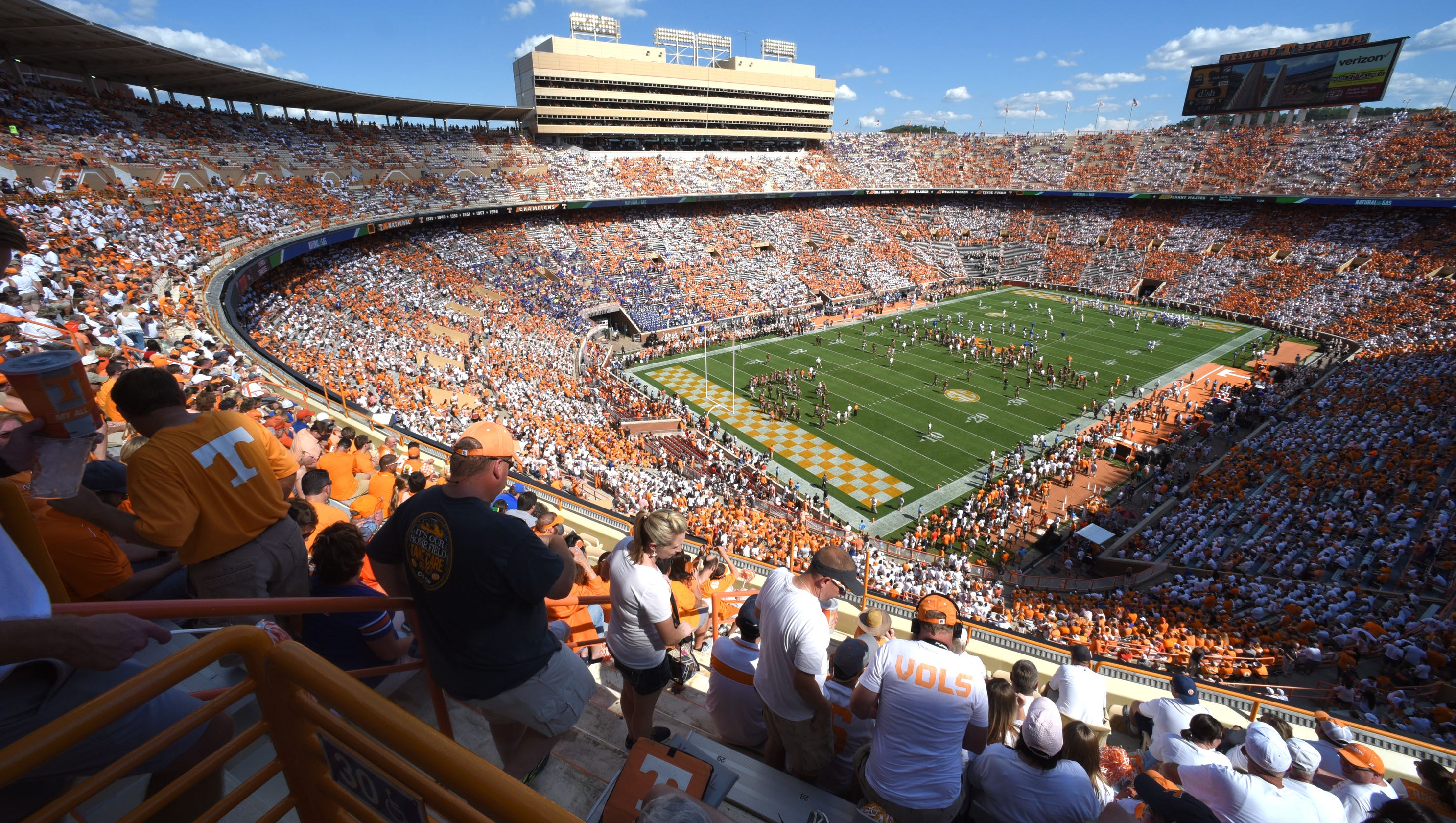 Tennessee football announces full capacity for Neyland Stadium this fall