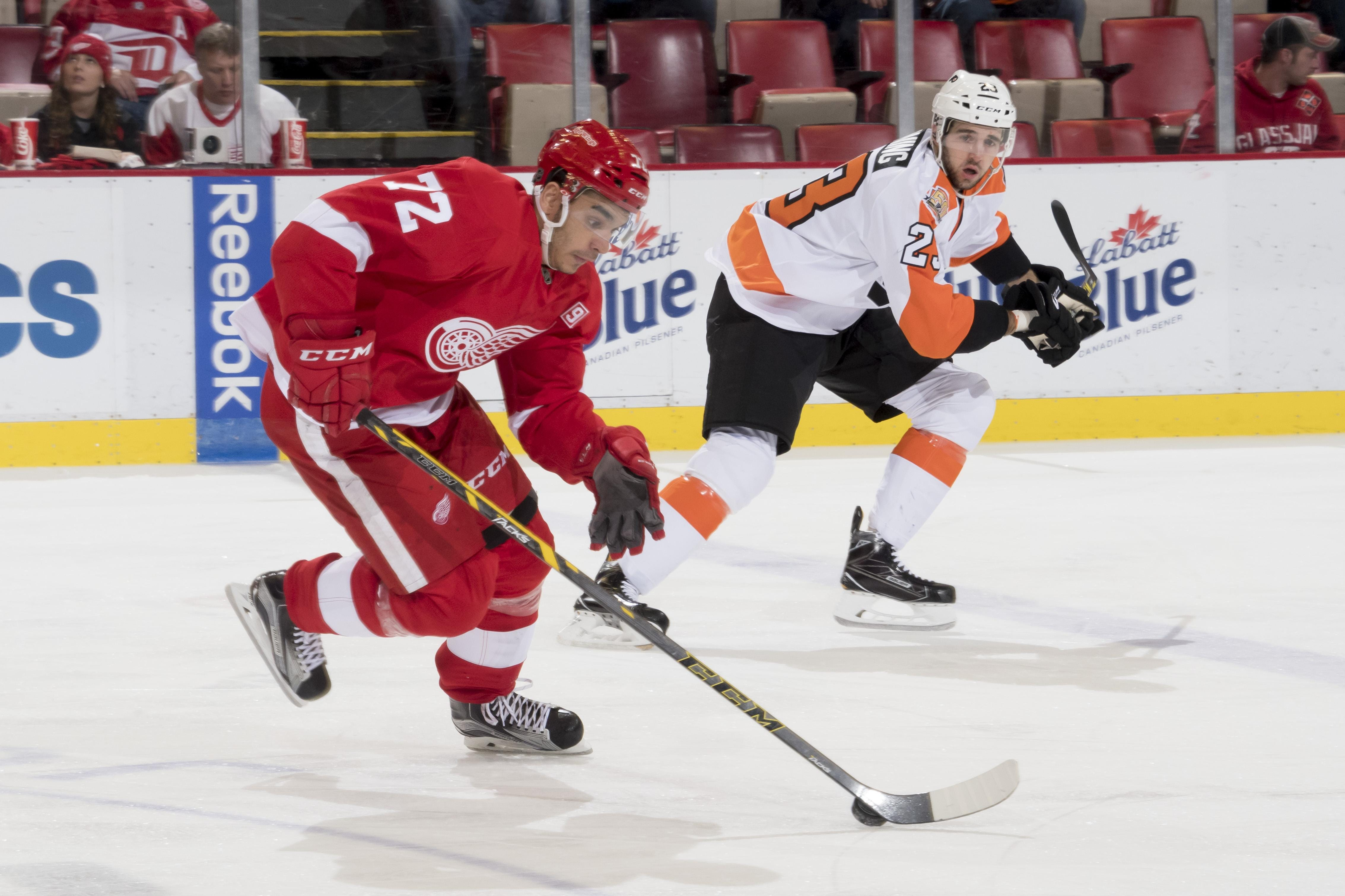 Athanasiou, Mantha carry weight of Wings' playoff void