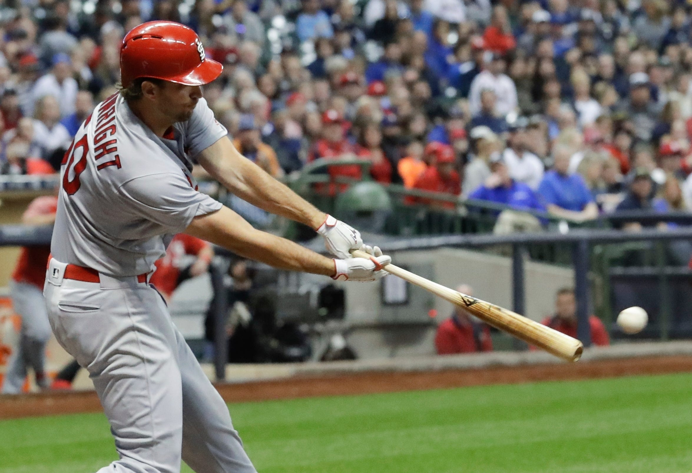 Cardinals 6, Brewers 3: Wainwright does it all