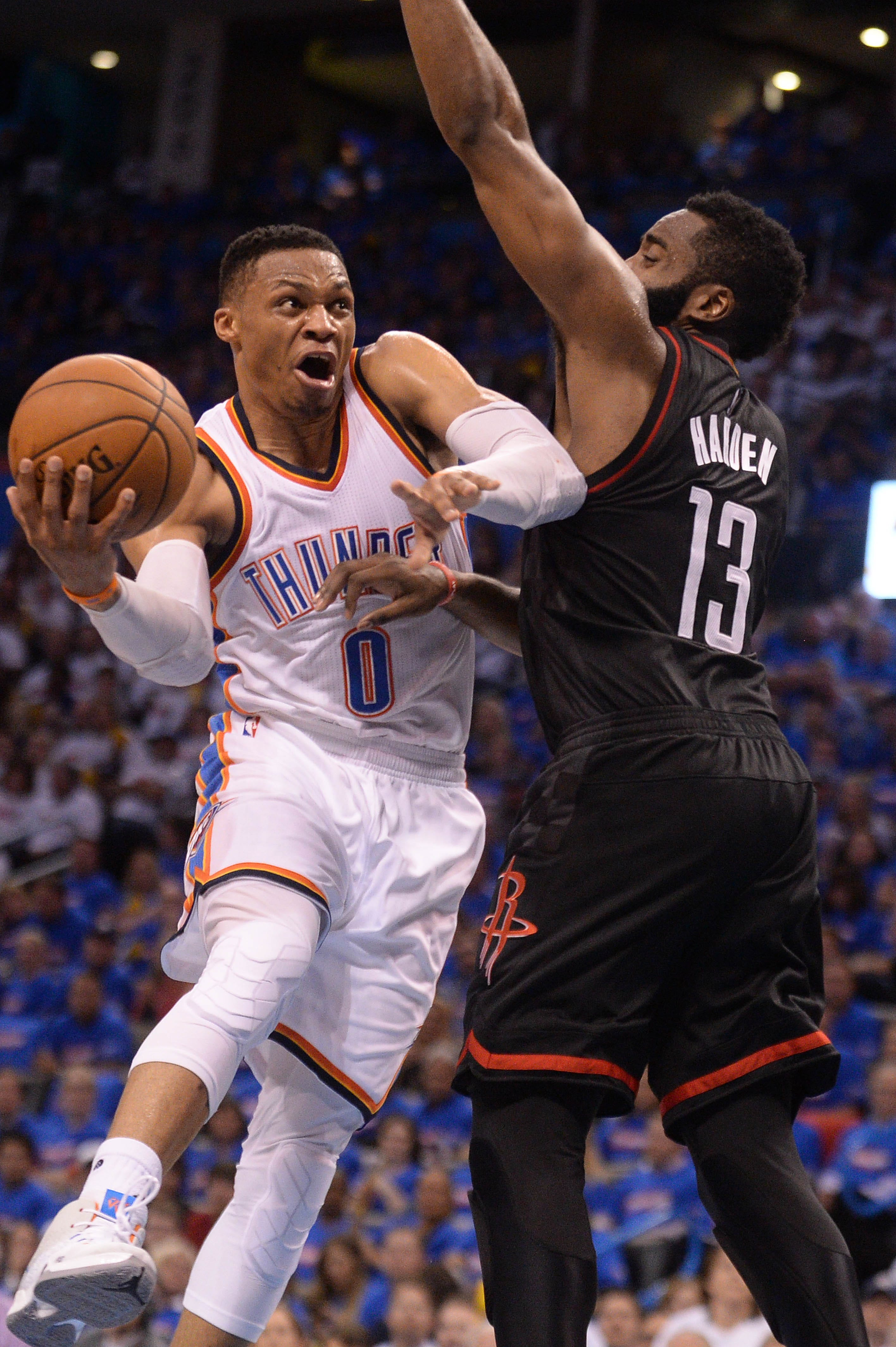 Thunder, Westbrook hold off Rockets, Harden in crucial Game 3