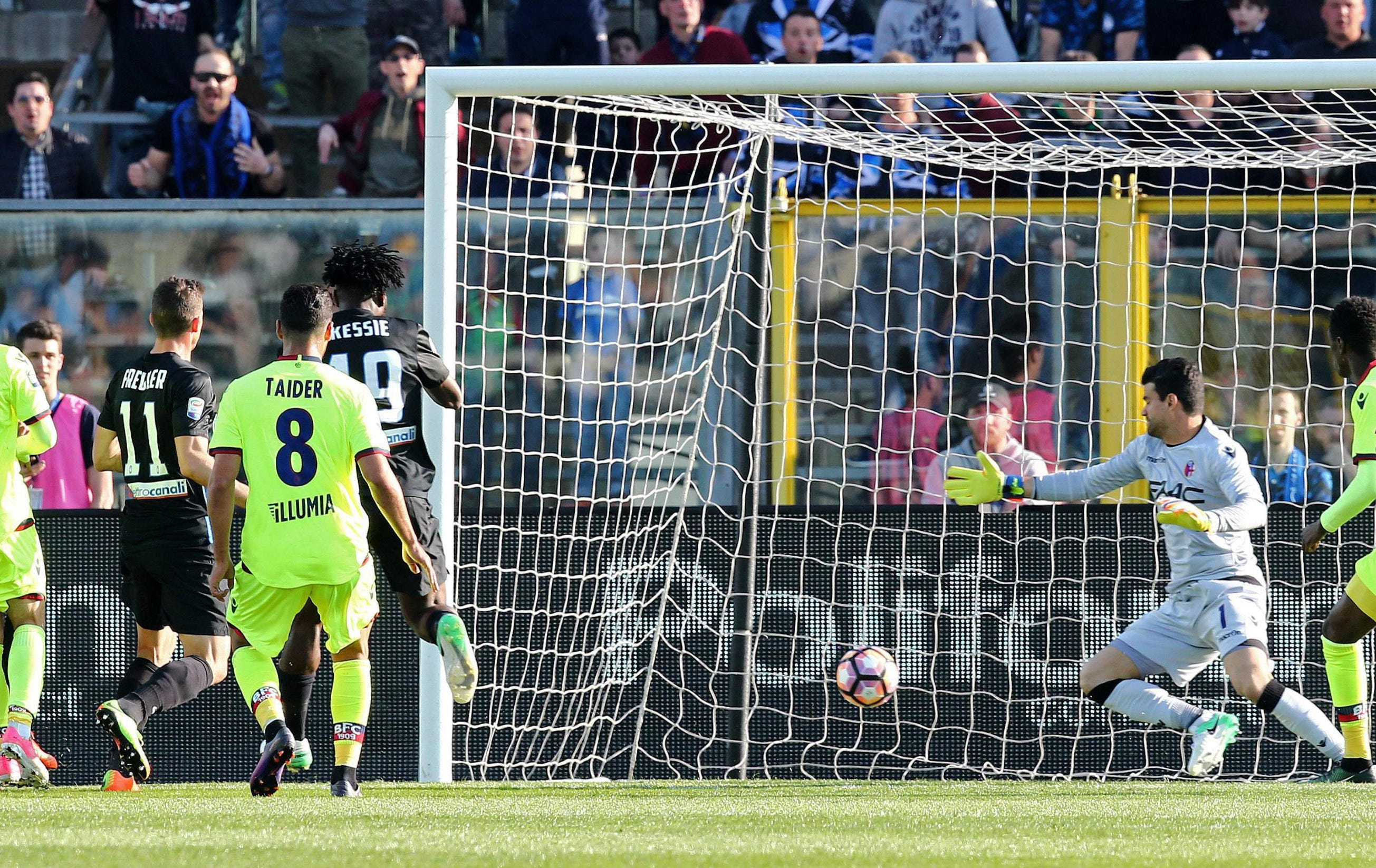 Atalanta beats Bologna 3-2 to keep Europa League dream alive