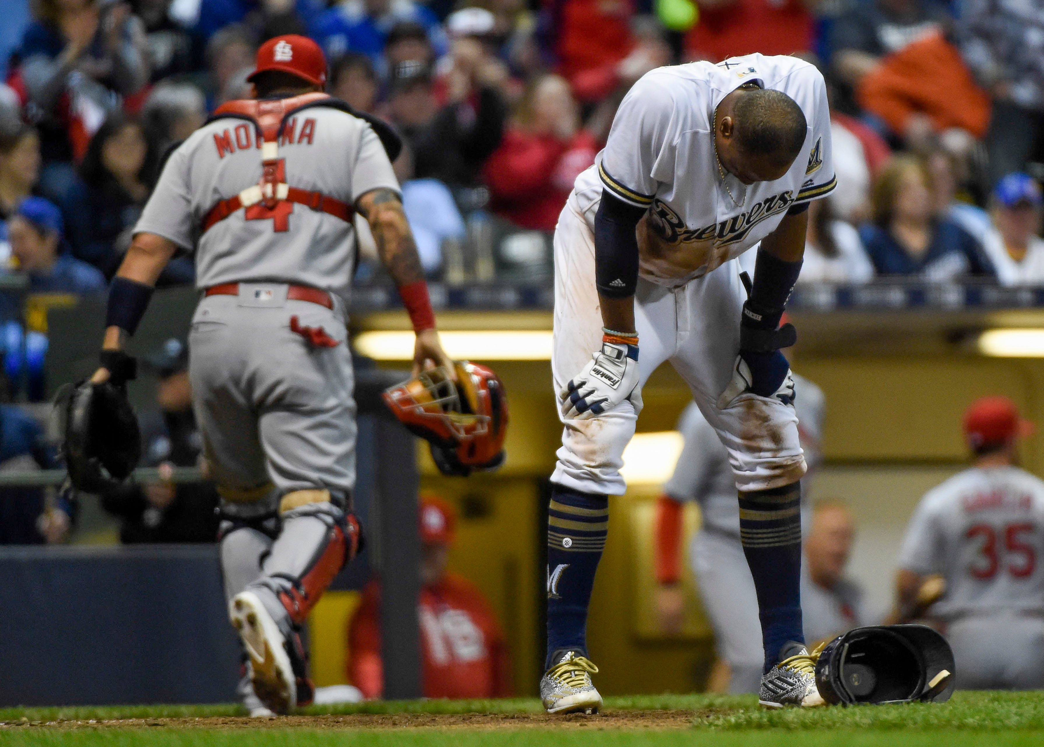 Brewers fail to do the little things against Cardinals